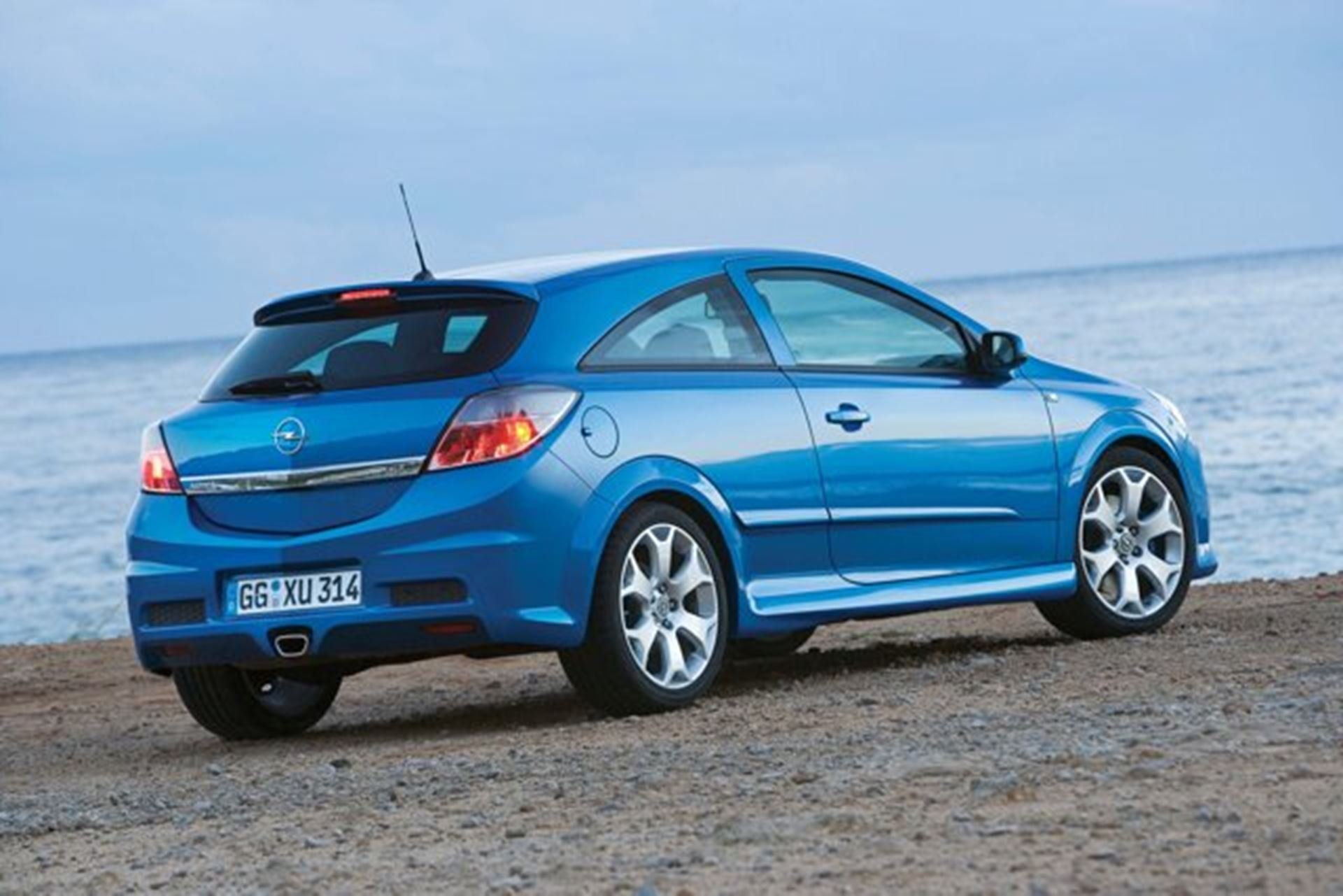 Opel OPC Astra Car Shows