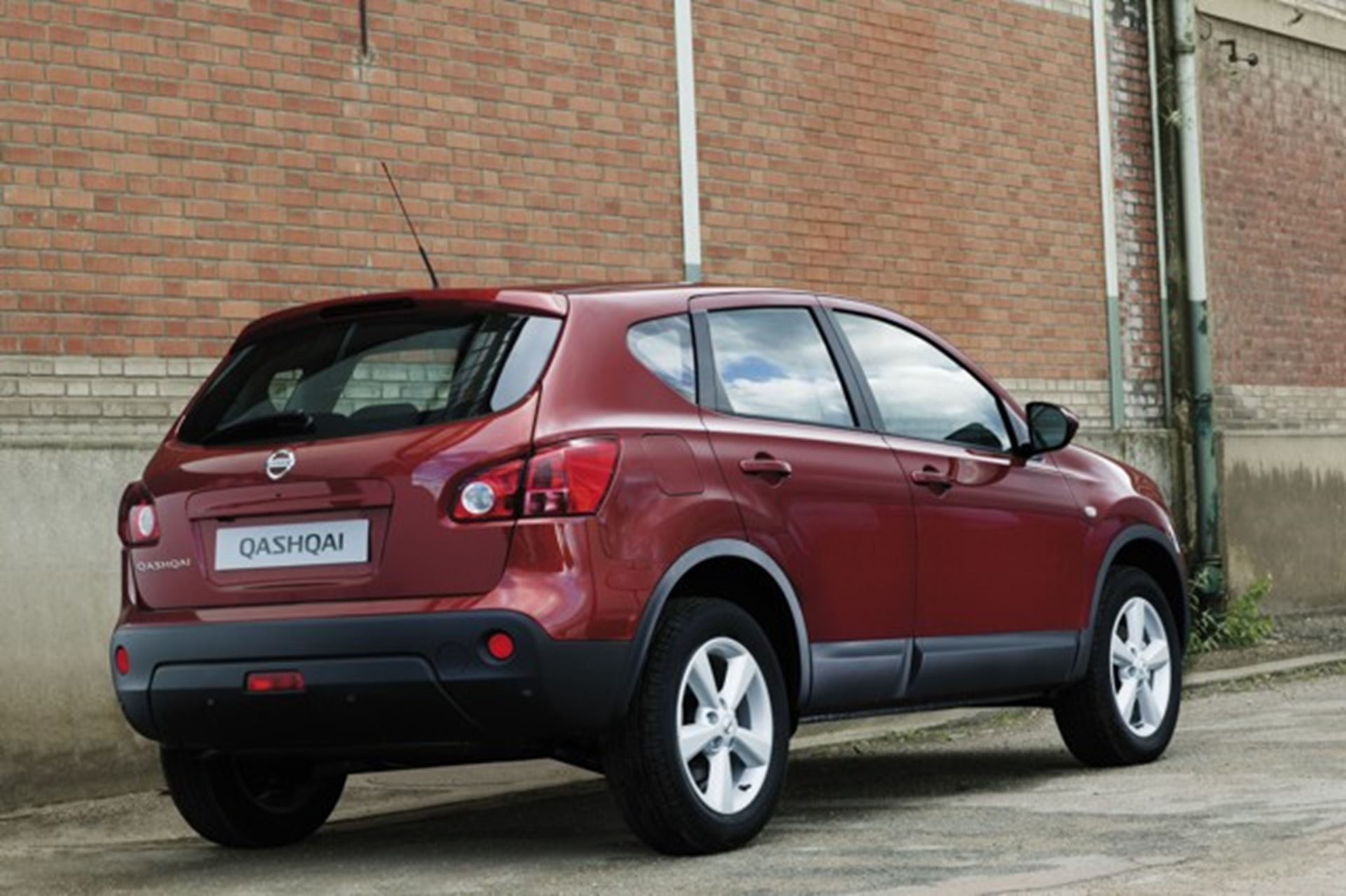 nissan display qashqai compact crossover at auto africa. Black Bedroom Furniture Sets. Home Design Ideas