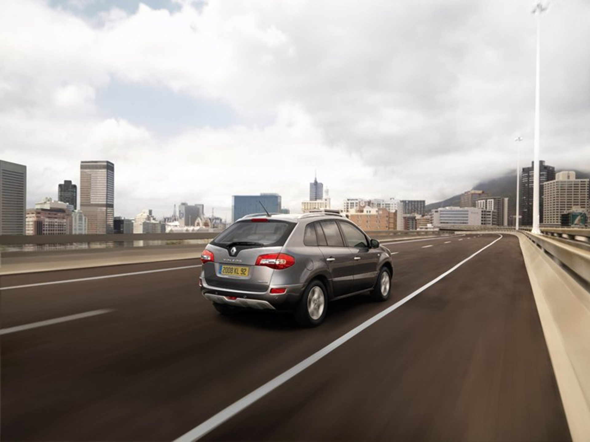 Renault Koleos City Driving