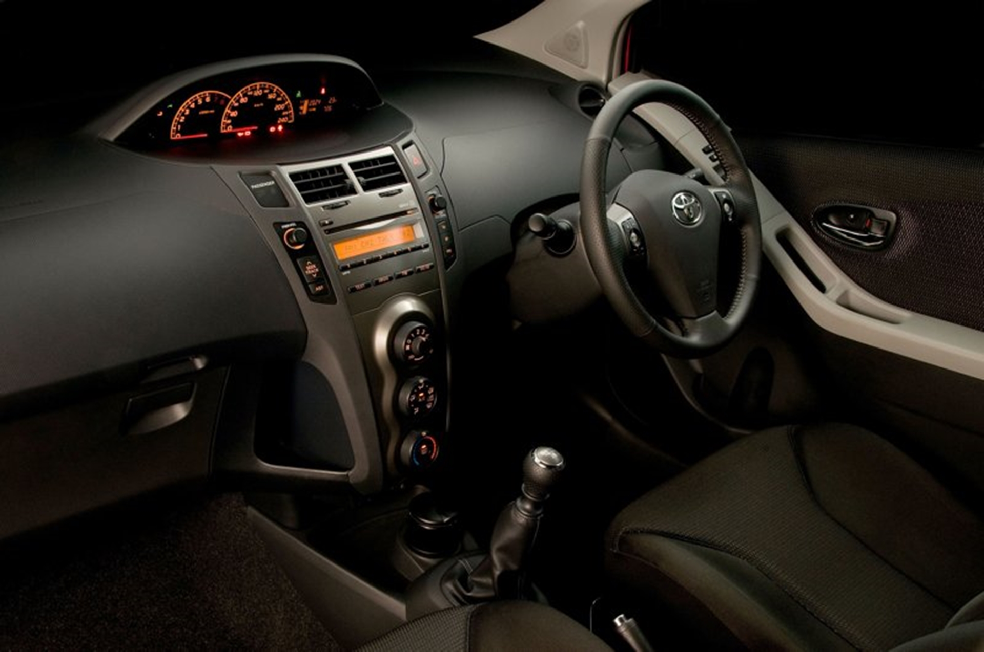 Car Shows Toyota Yaris 2008 Interior