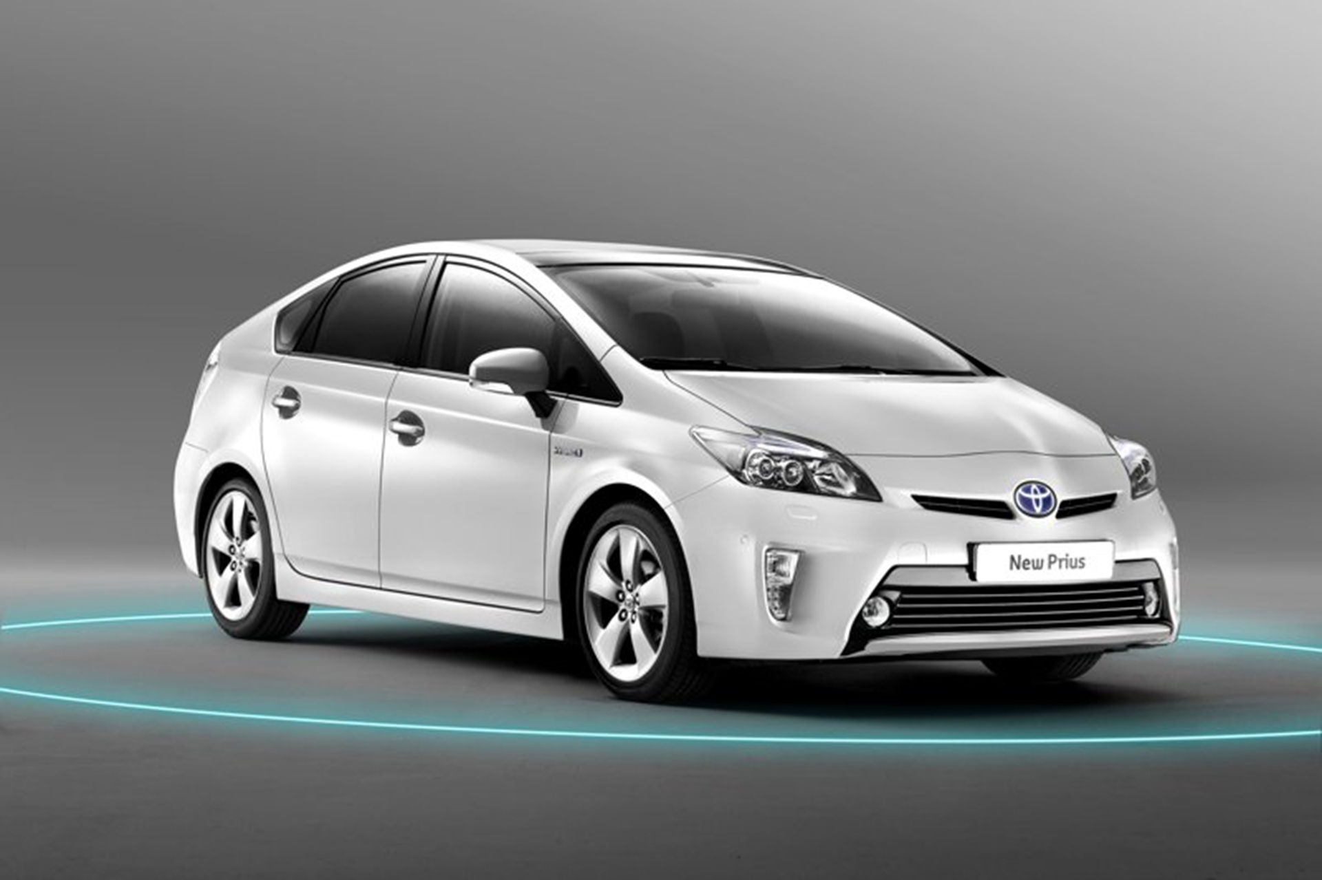 Toyota Prius Cars 2011 front