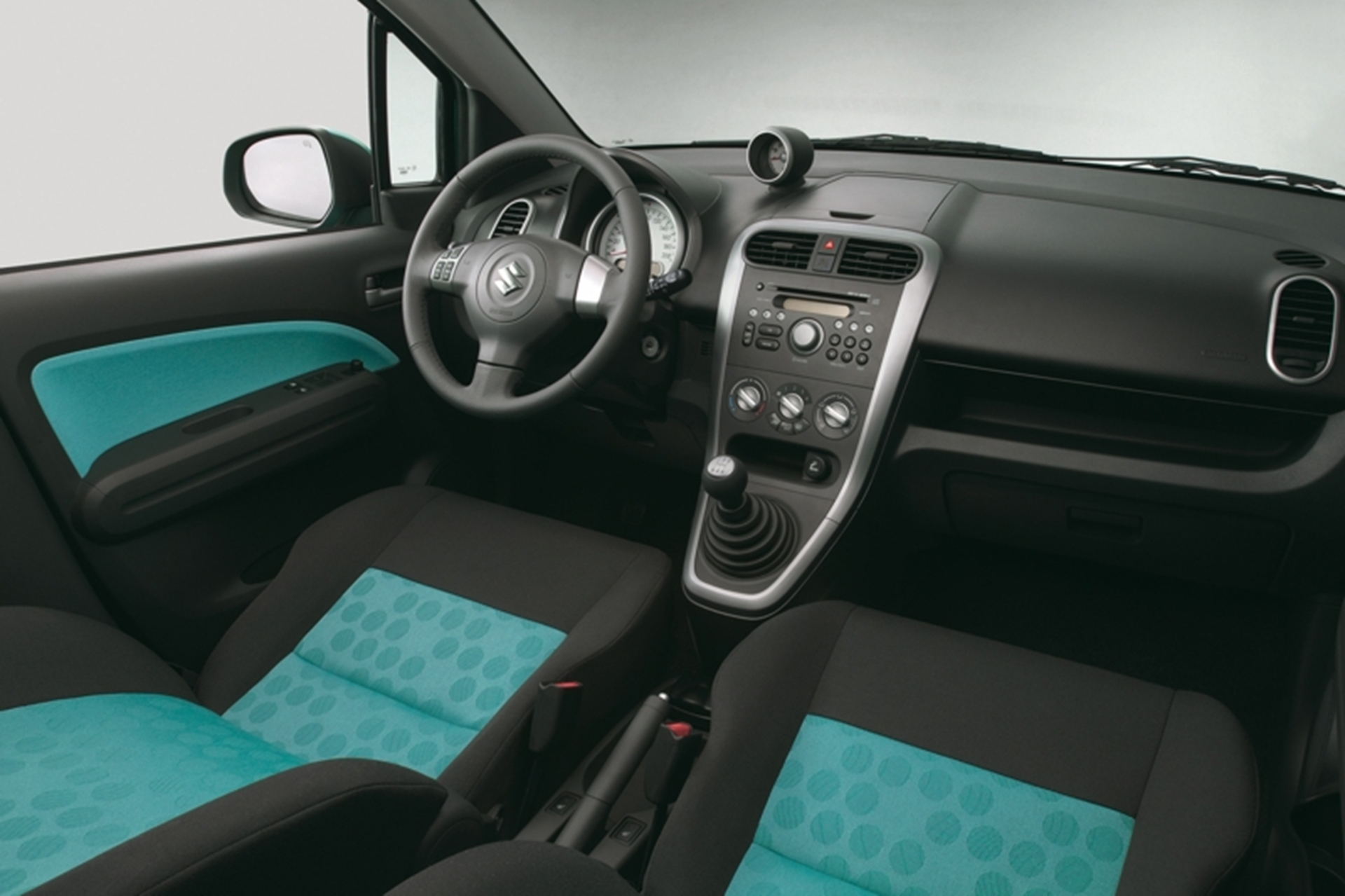 Suzuki Splash Inside View
