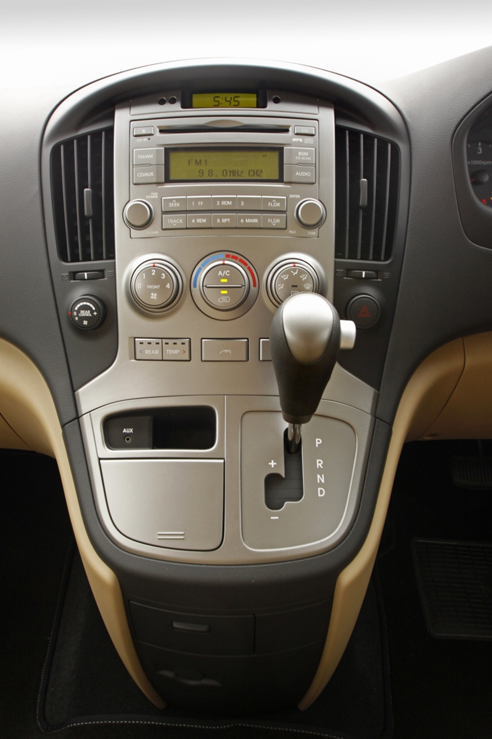 Hyundai H1 Instruments Panel