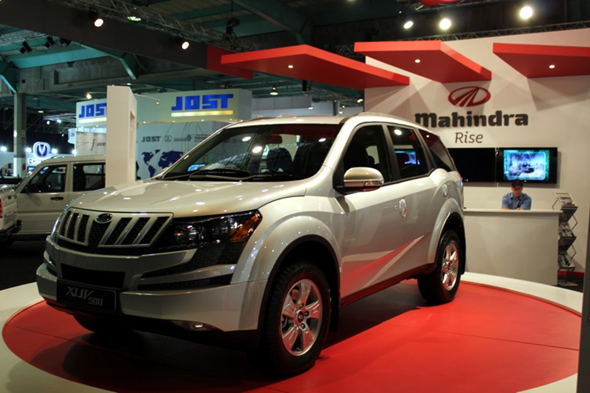 Mahindra Unveils Imposing New Suv At Johannesburg Motor Show
