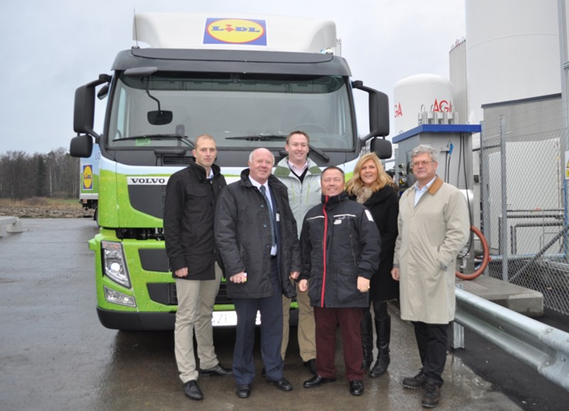 New liquefied methane gas refuelling station opened in Stockholm