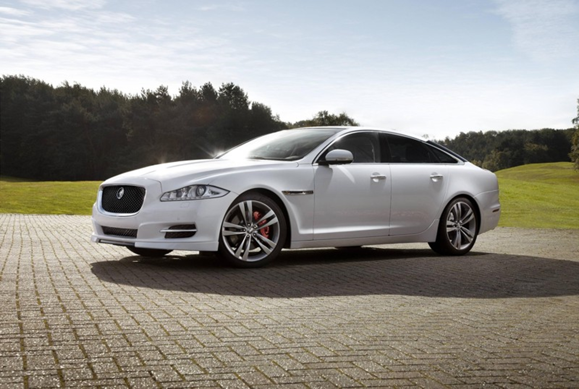 Jaguar XJ Sport Speed Pack