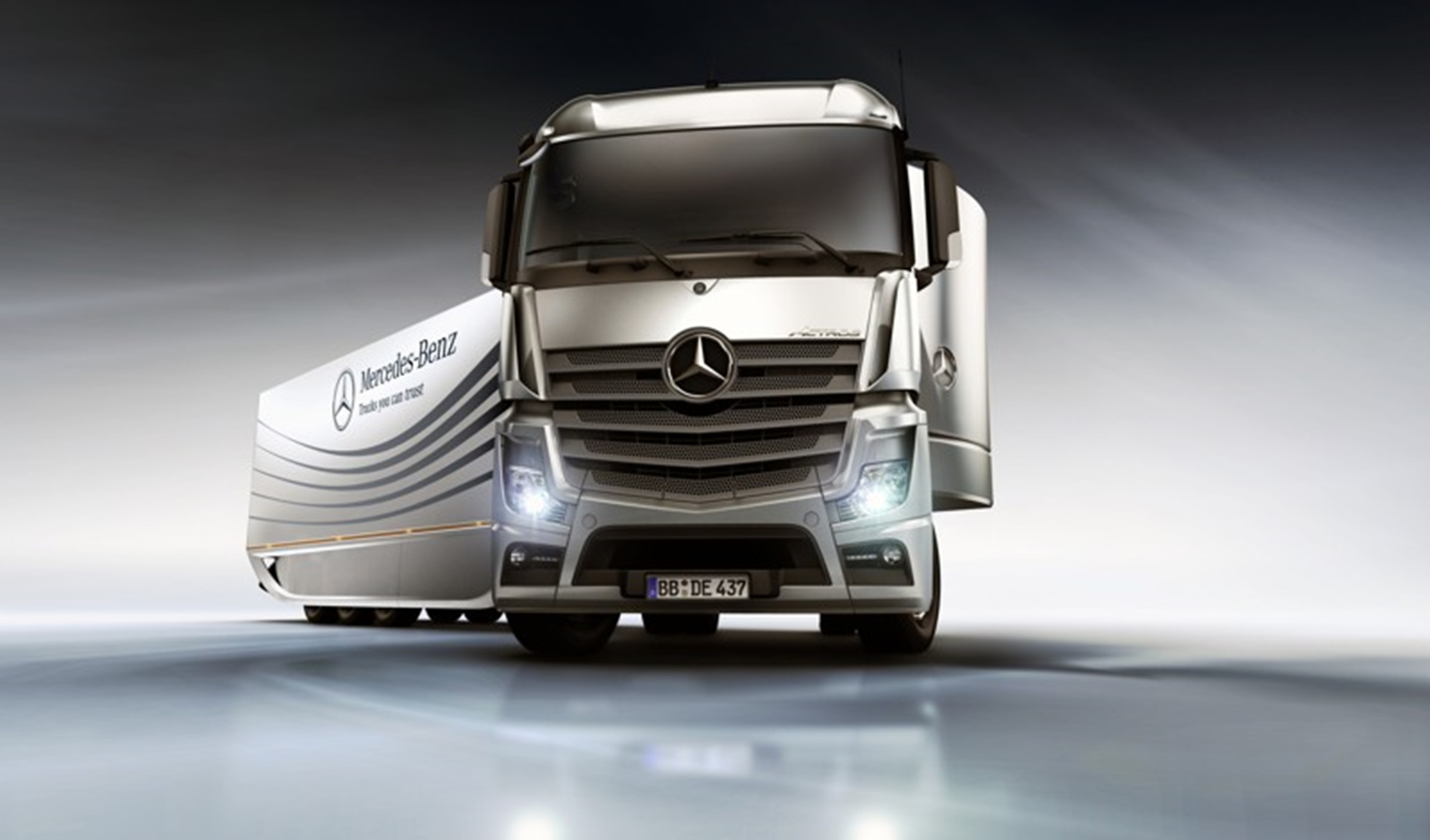 Mercedes Benz Aero trailer Front