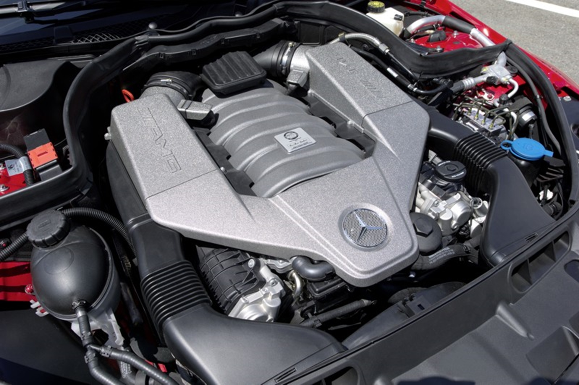 C 63 AMG Black Series 2011 Engine
