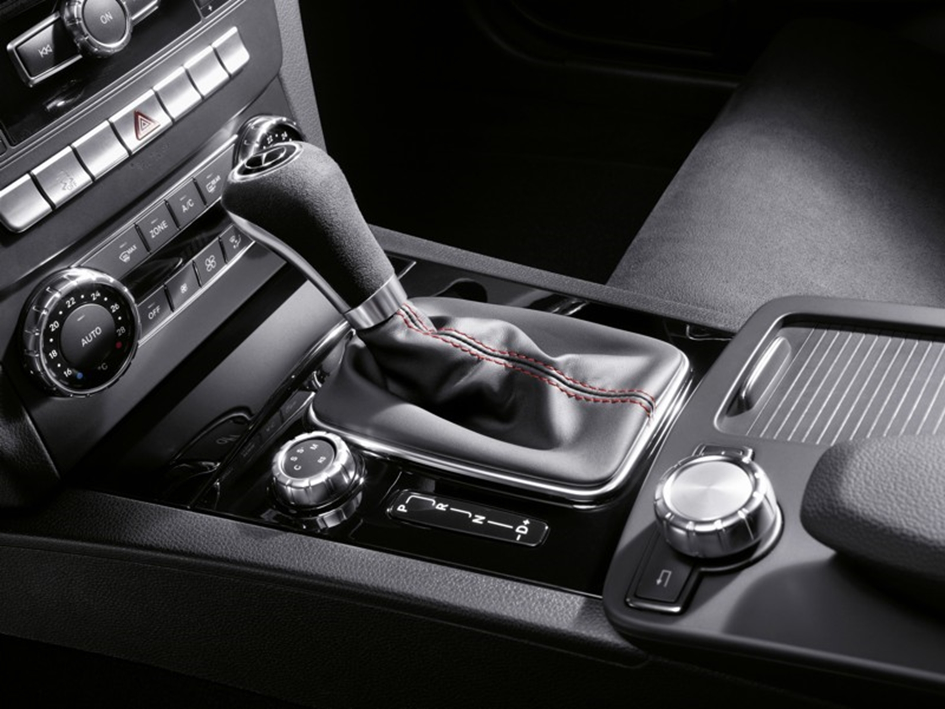 C 63 AMG Black Series 2011 Gear Shift