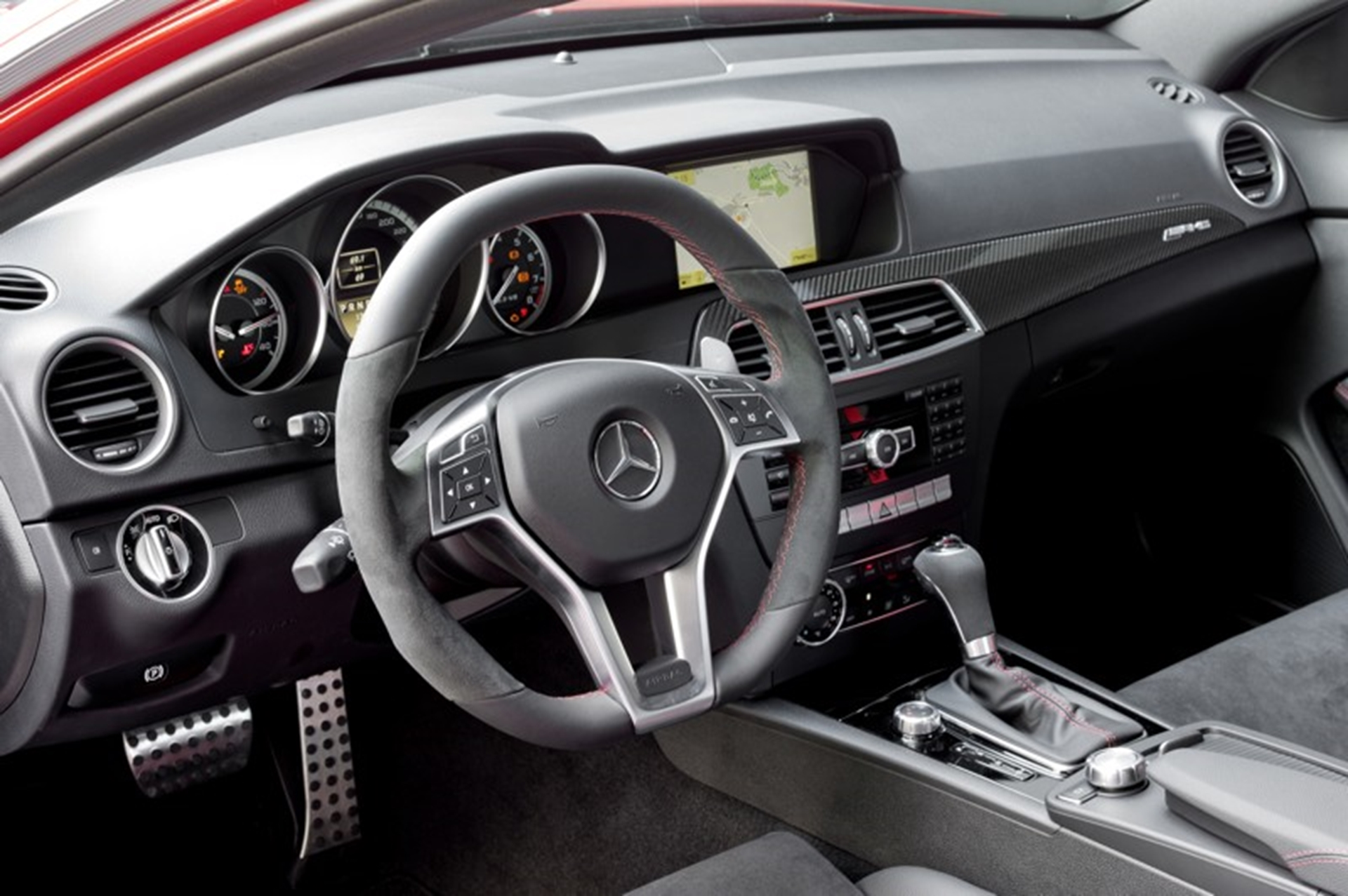 Mercedes Benz C 63 AMG Steering