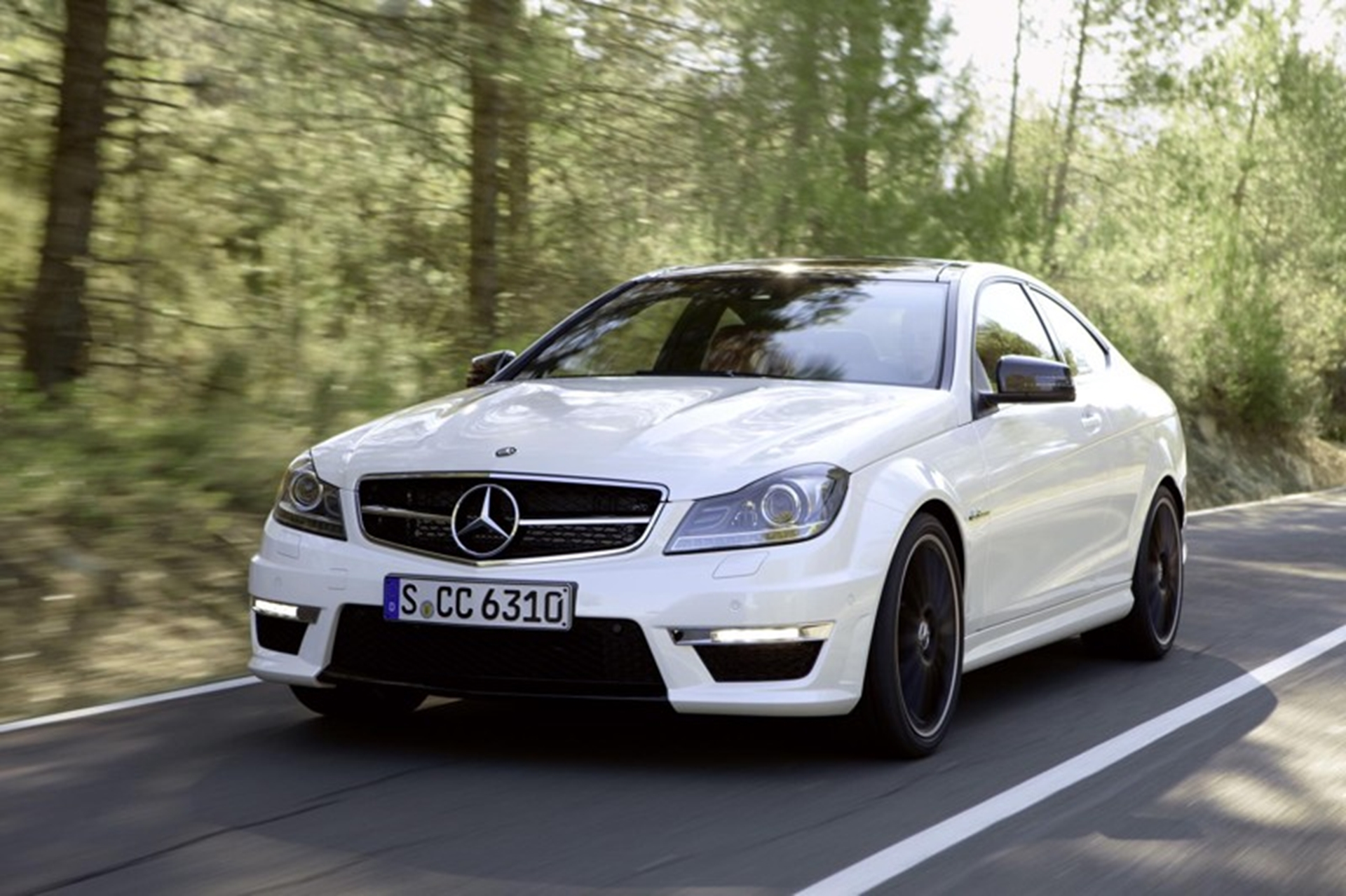 Coupe Mercedes Benz C 63 AMG Front 2011