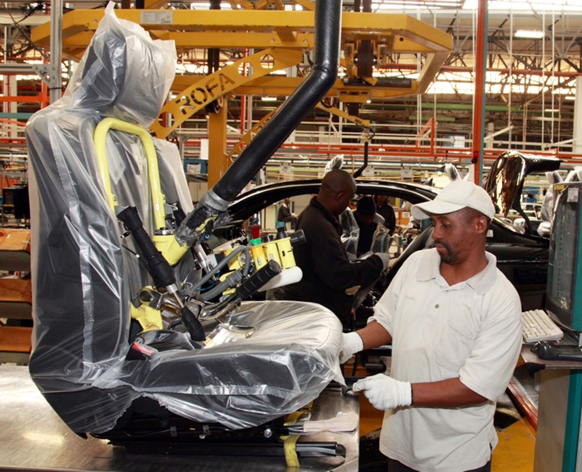 Mercedes benz sa agrees to adopt the buffalo city metro for Mercedes benz manufacturing plant in usa