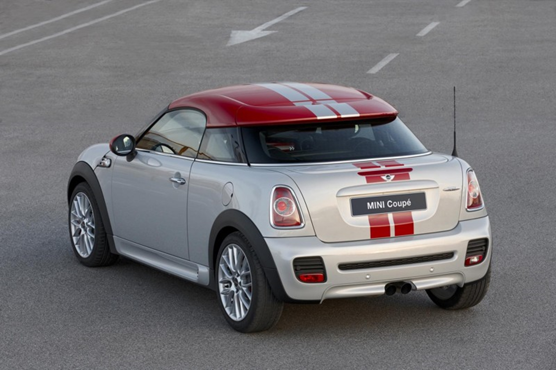 Mini Coupe 2011 Side Rear View