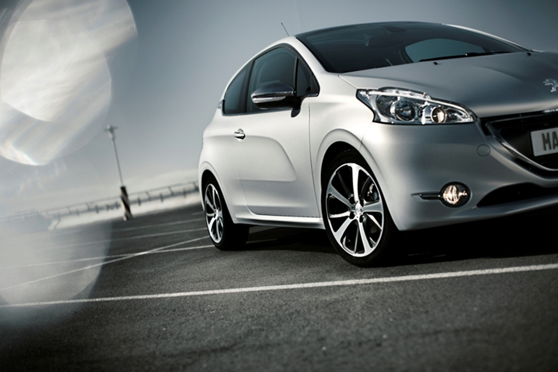 Peugeot-208 Silver