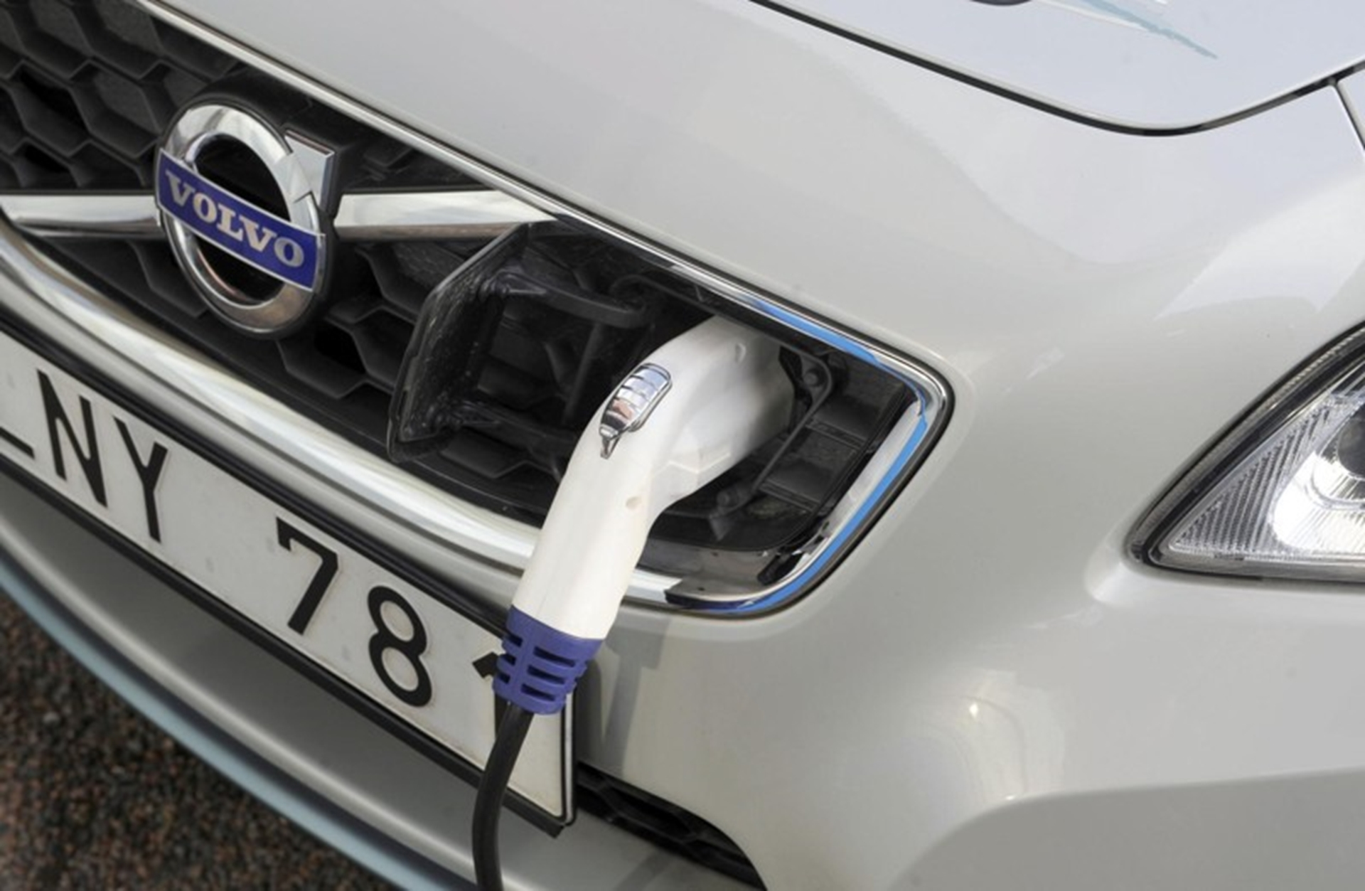 Volvo Electric Car Charge Inlet