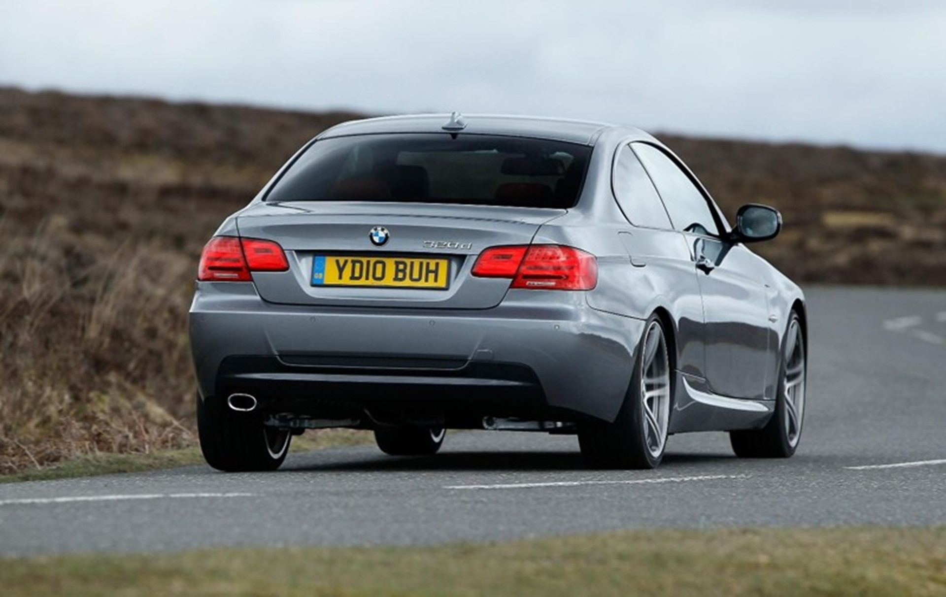 bmw 3 series rear view