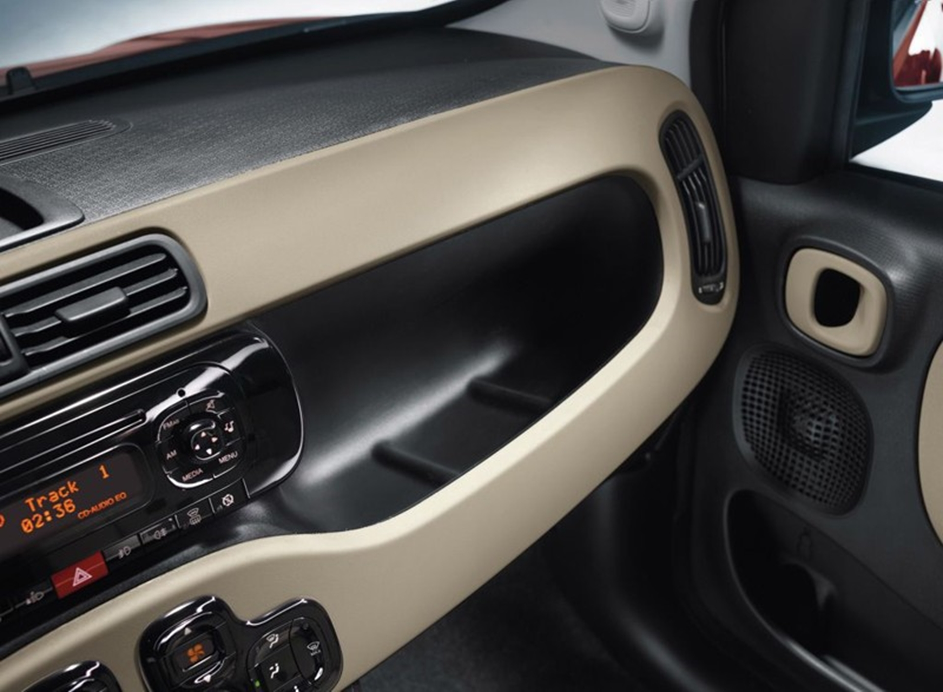 Fiat Panda Inside 2011 Dashboard
