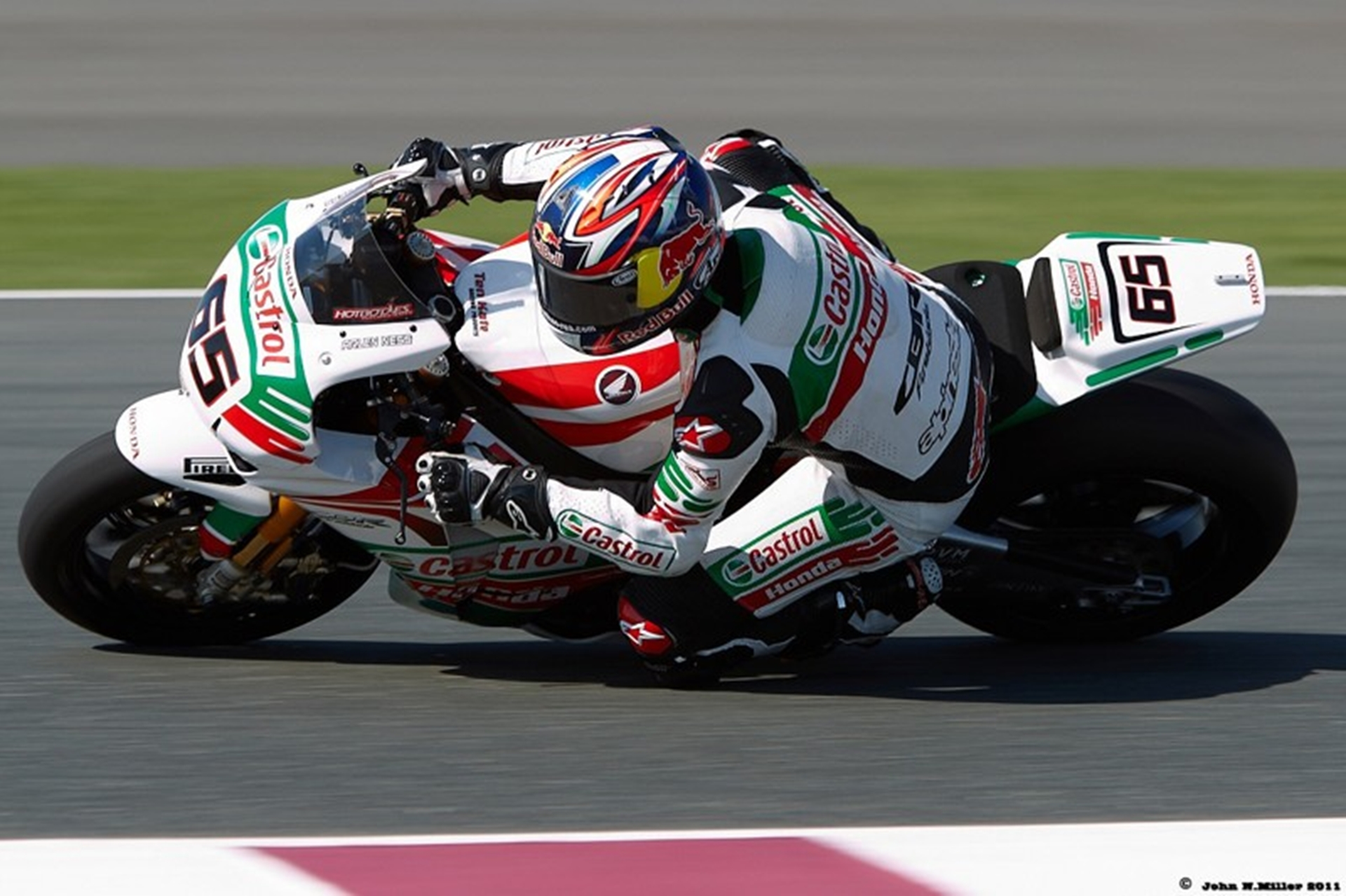 honda-castrol-racing-bike-2011