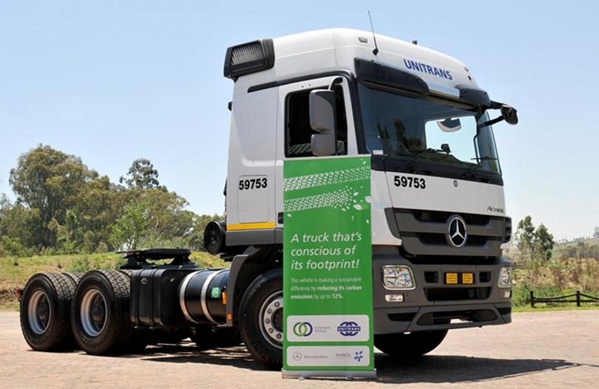 mercedes-benz-truck-green-fuel-truck