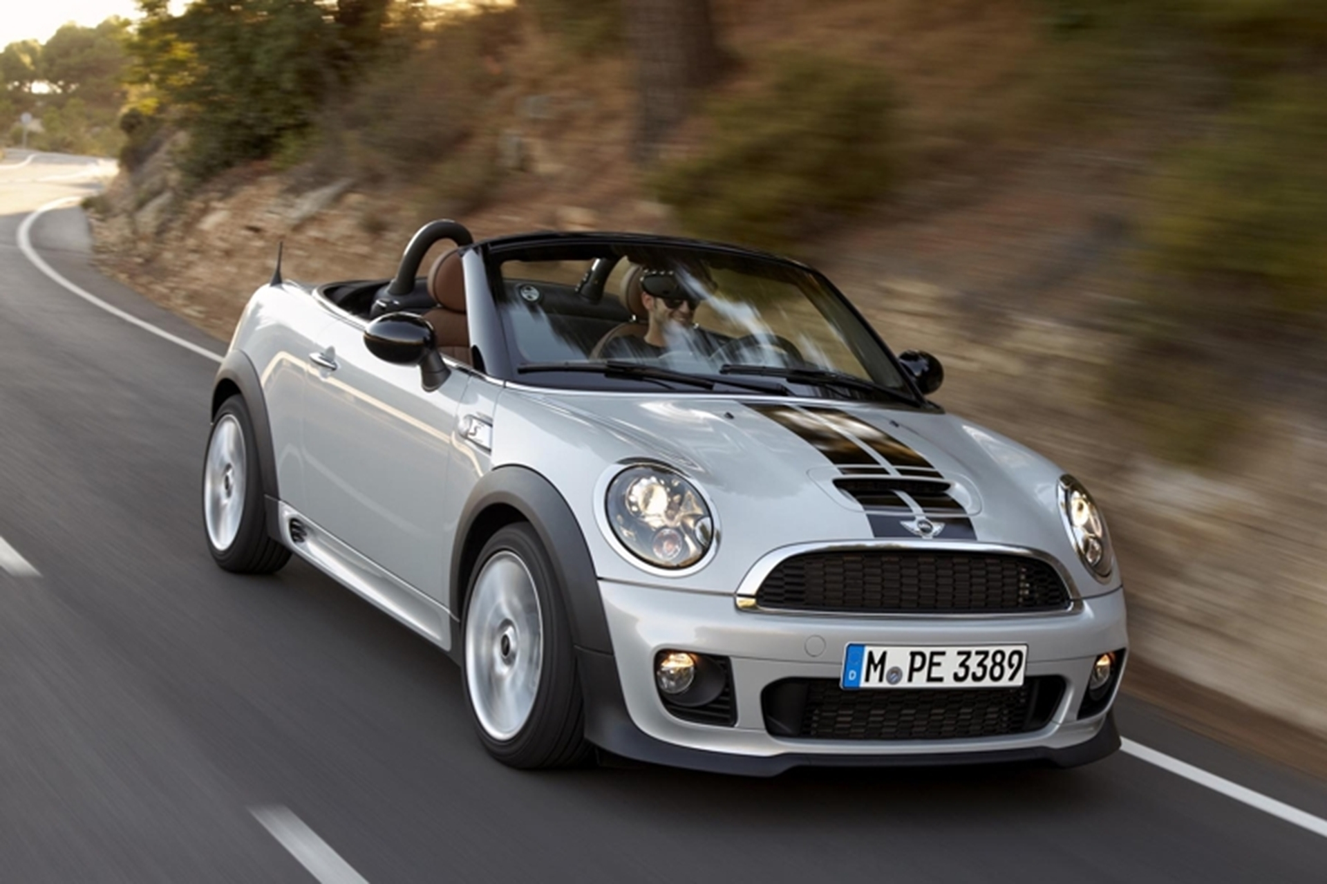 mini-roadster-2012-driving