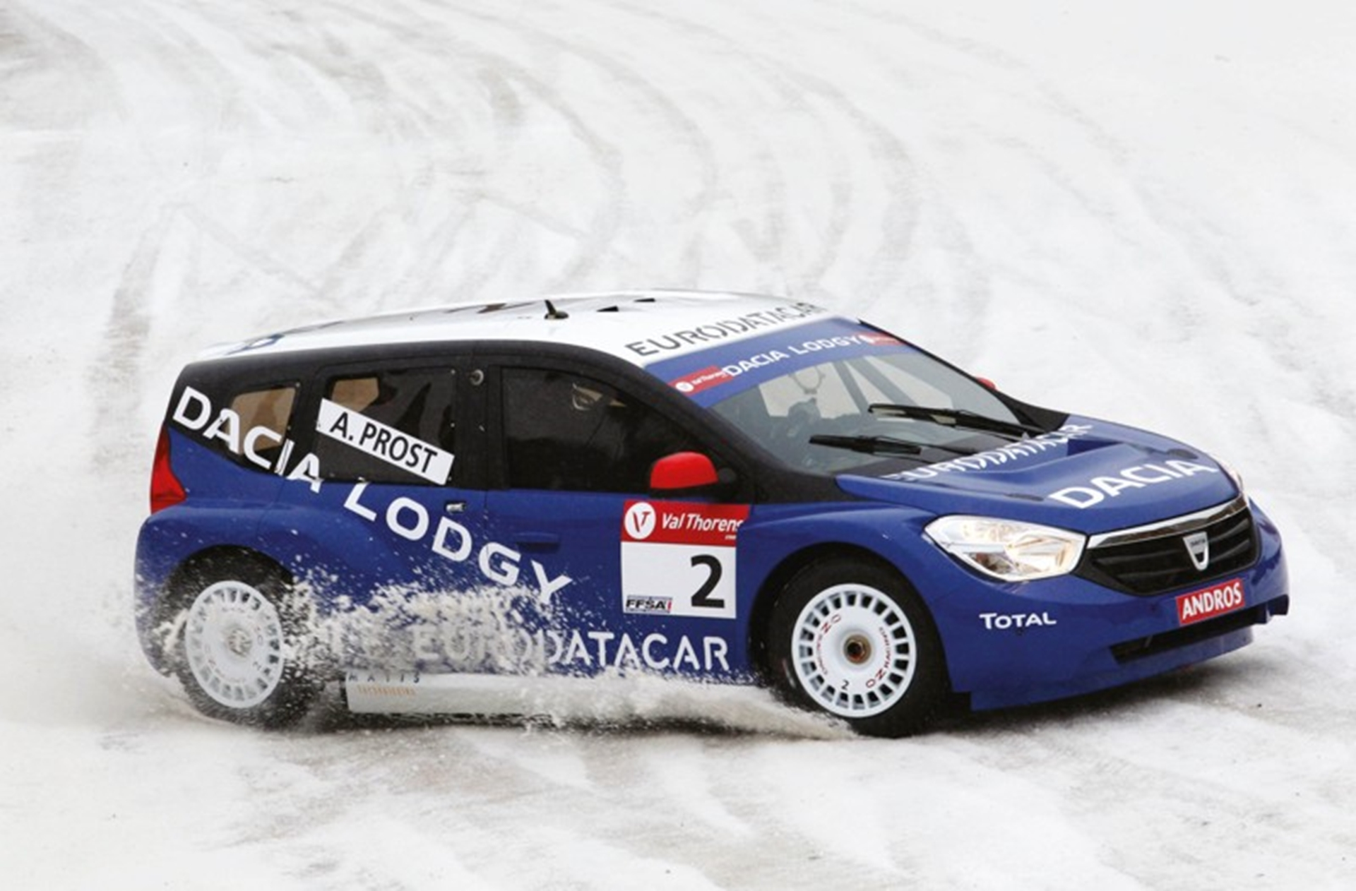 Podium success for Dacia Lodgy Glace2