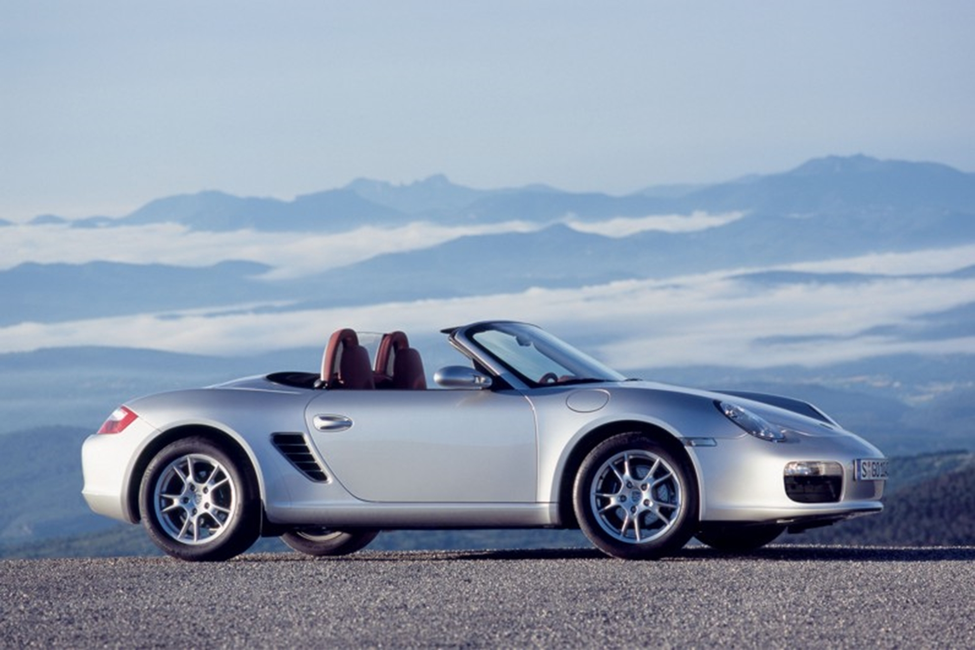 Porsche Boxster wins What Car? Used Sports Car of the Year Award