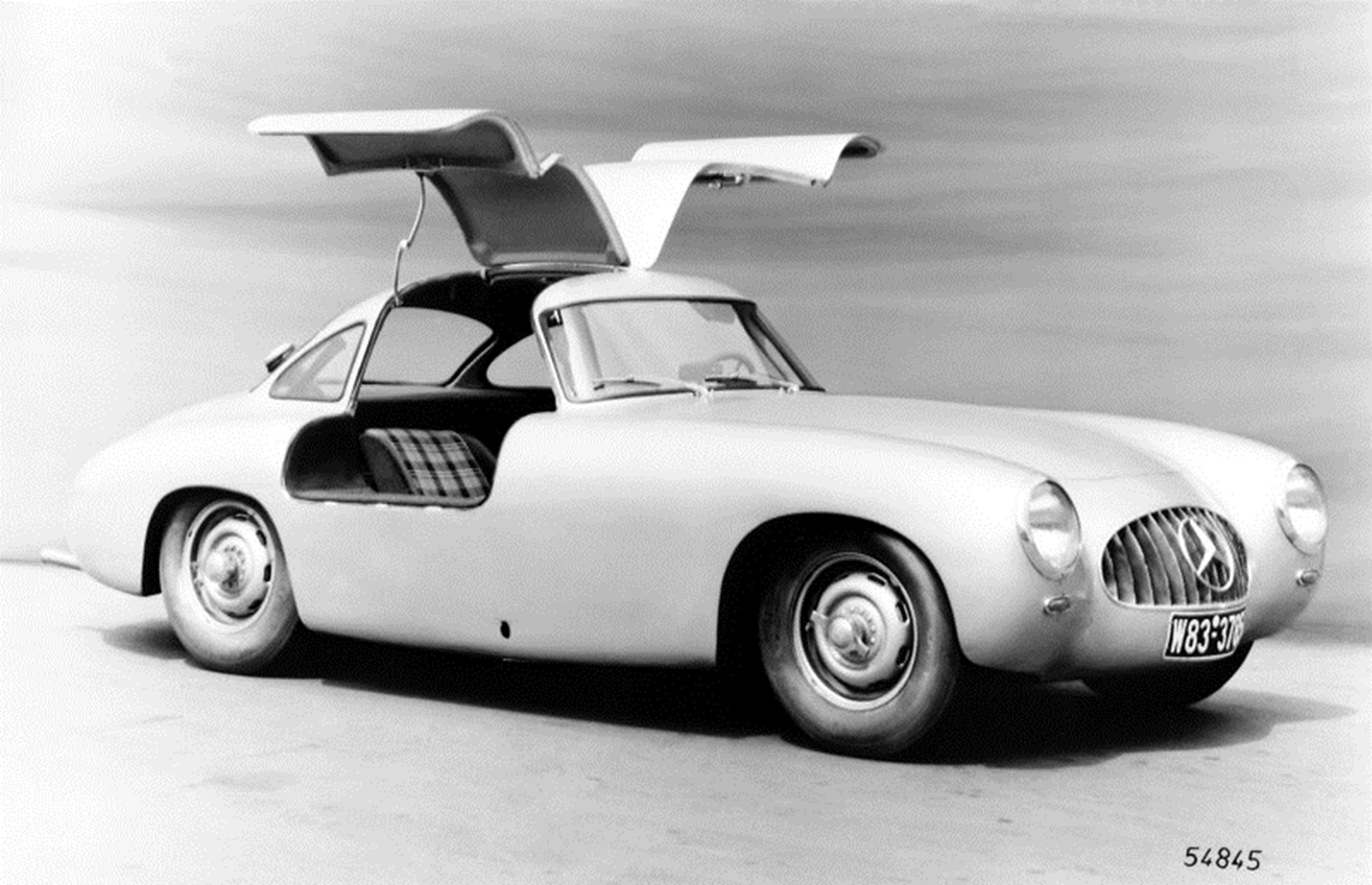 The history of the Mercedes Benz SL Class
