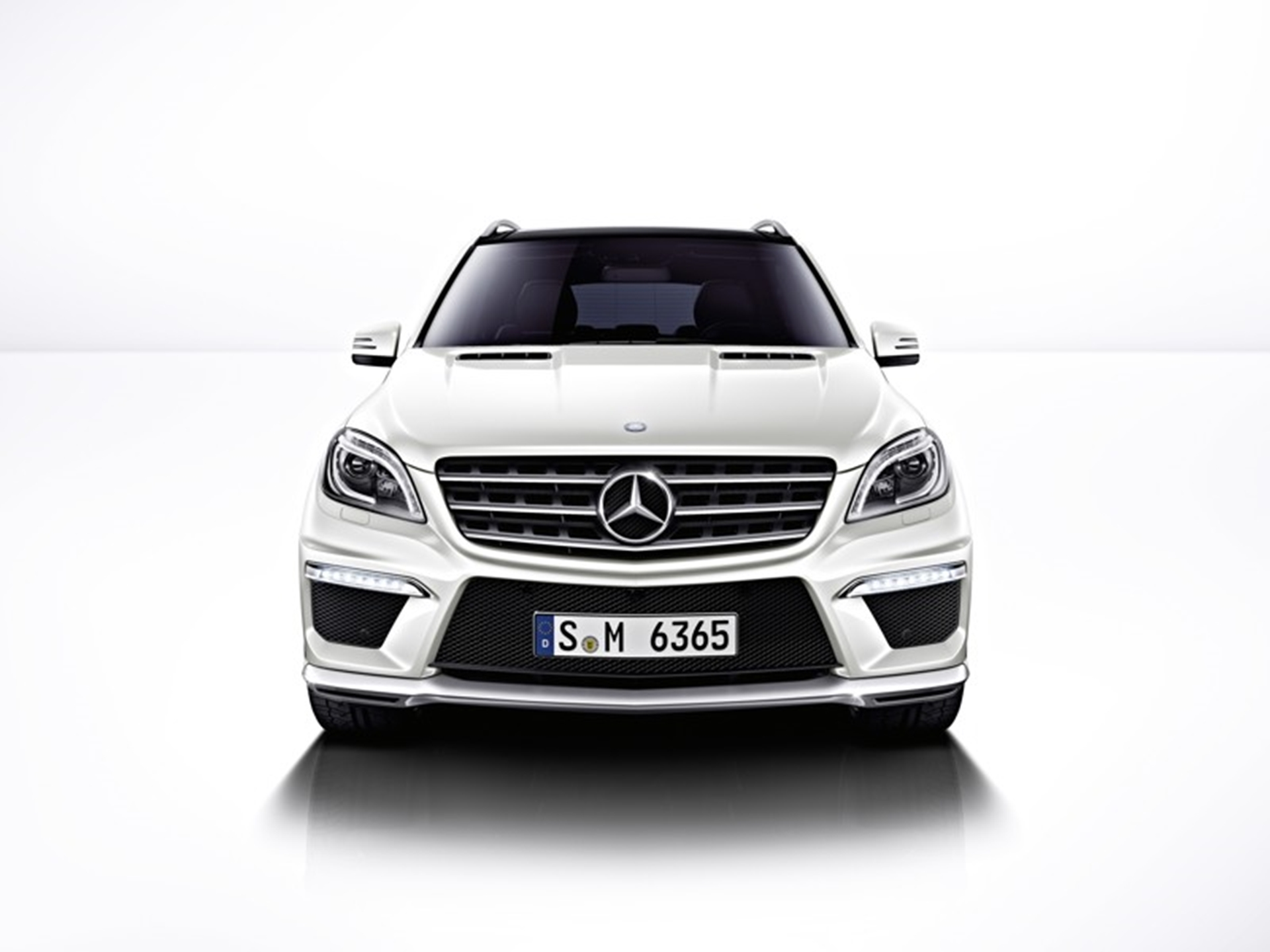 ML 63 Mercedes-Benz Front