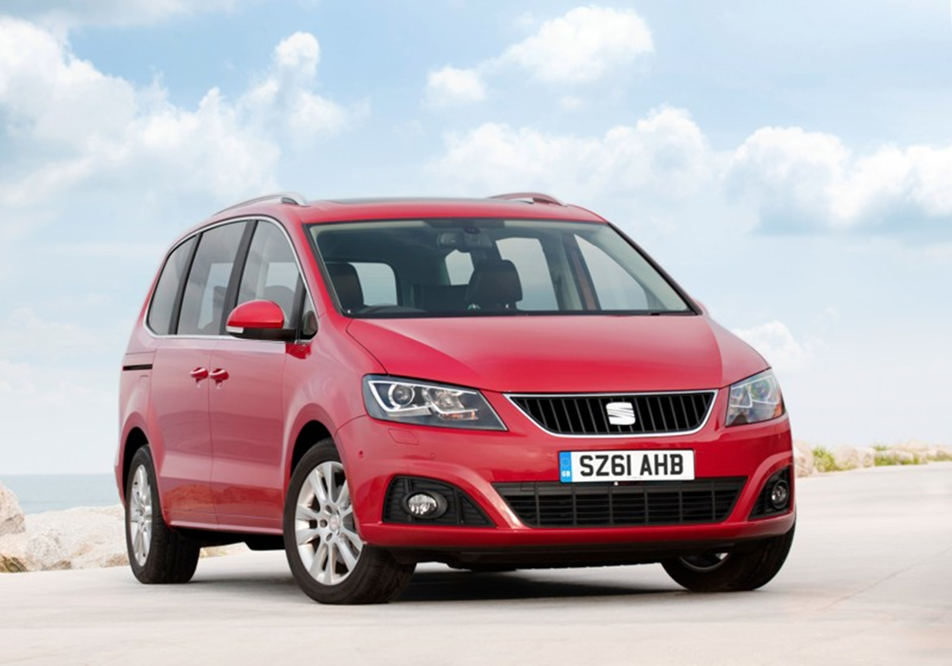 The SEAT Alhambra - What Car? MPV of the Year 2012