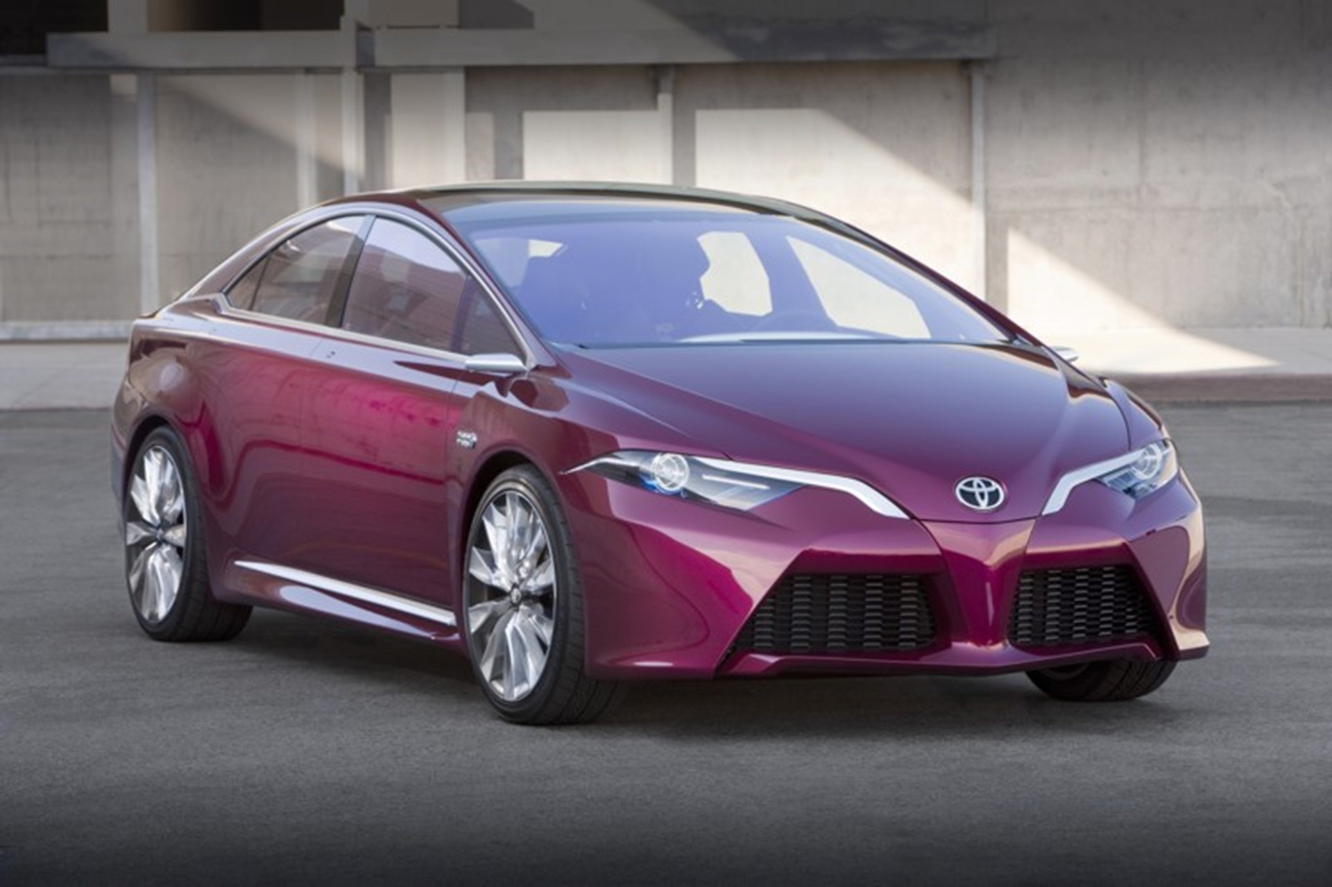 Toyota NS4 Advanced Plug-in Hybrid Concept