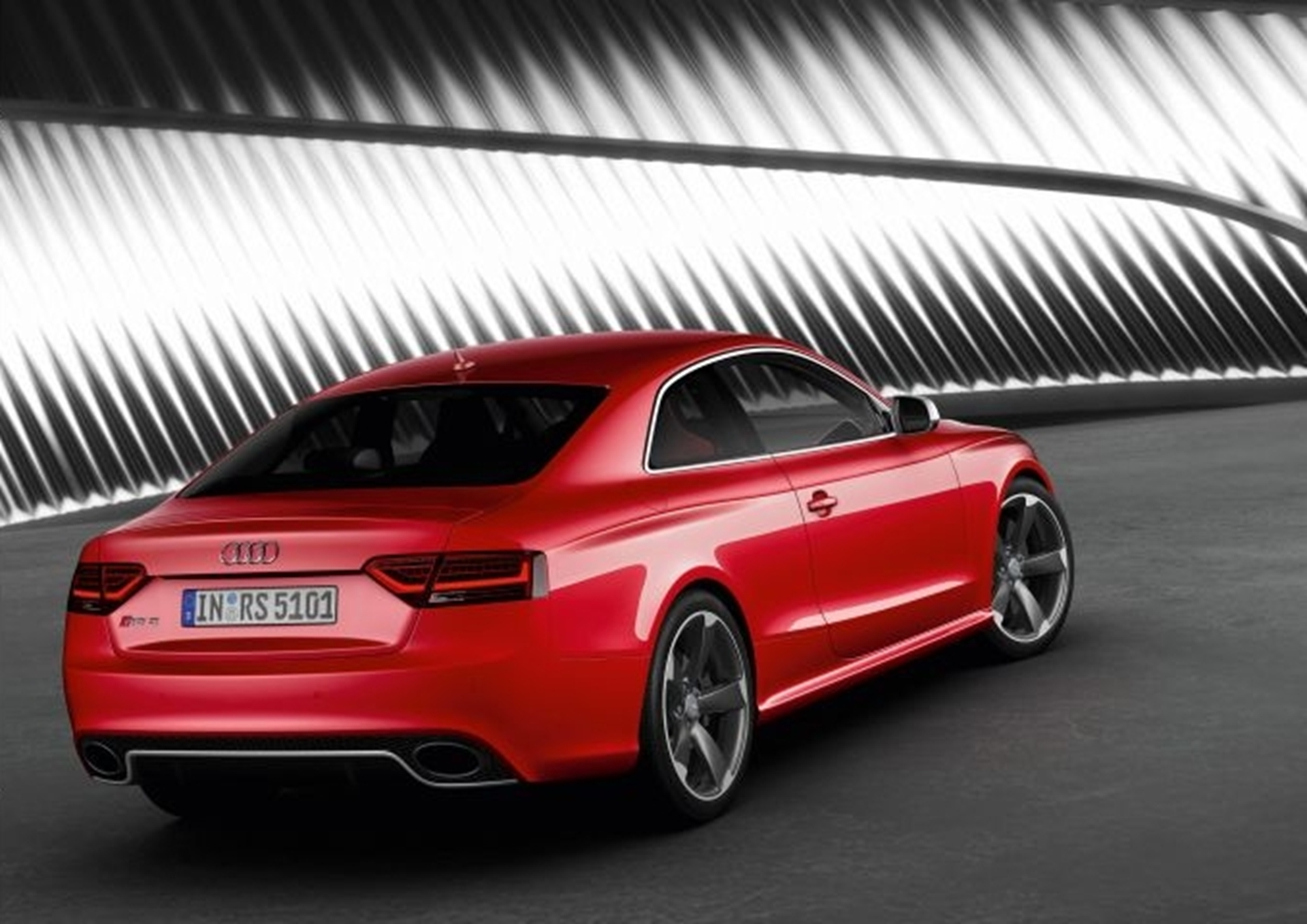 Audi A5 Beauty Power And Efficiency