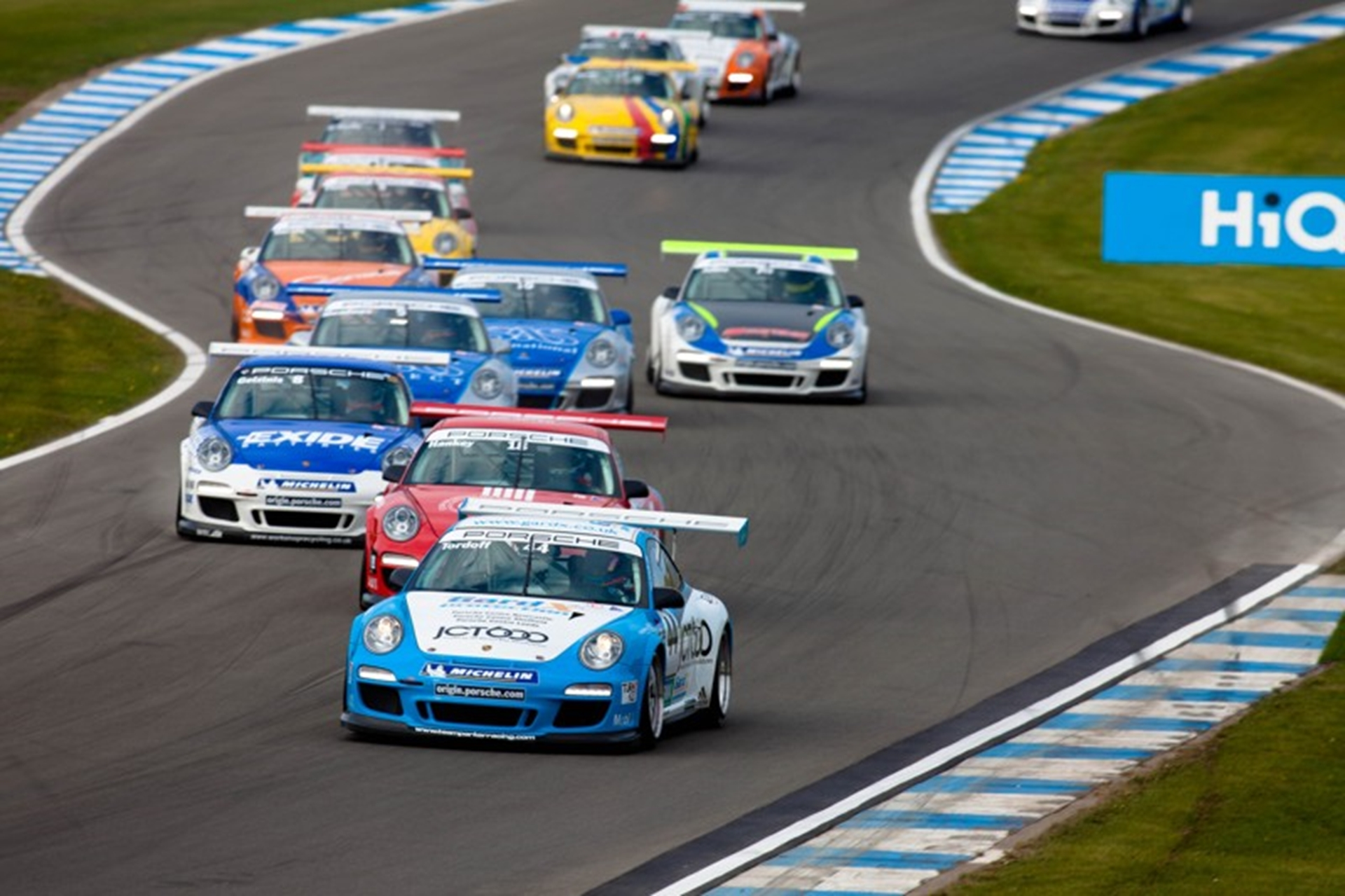 Close racing is typical of the Porsche Carrera Cup GB