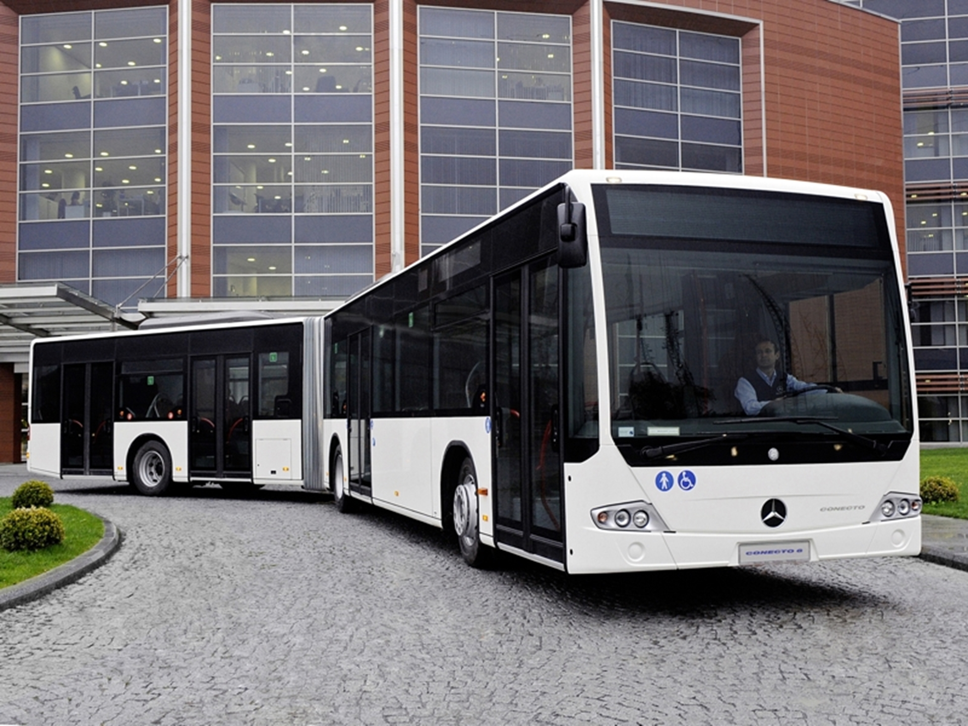 Mercedes-Benz Conecto articulated buses