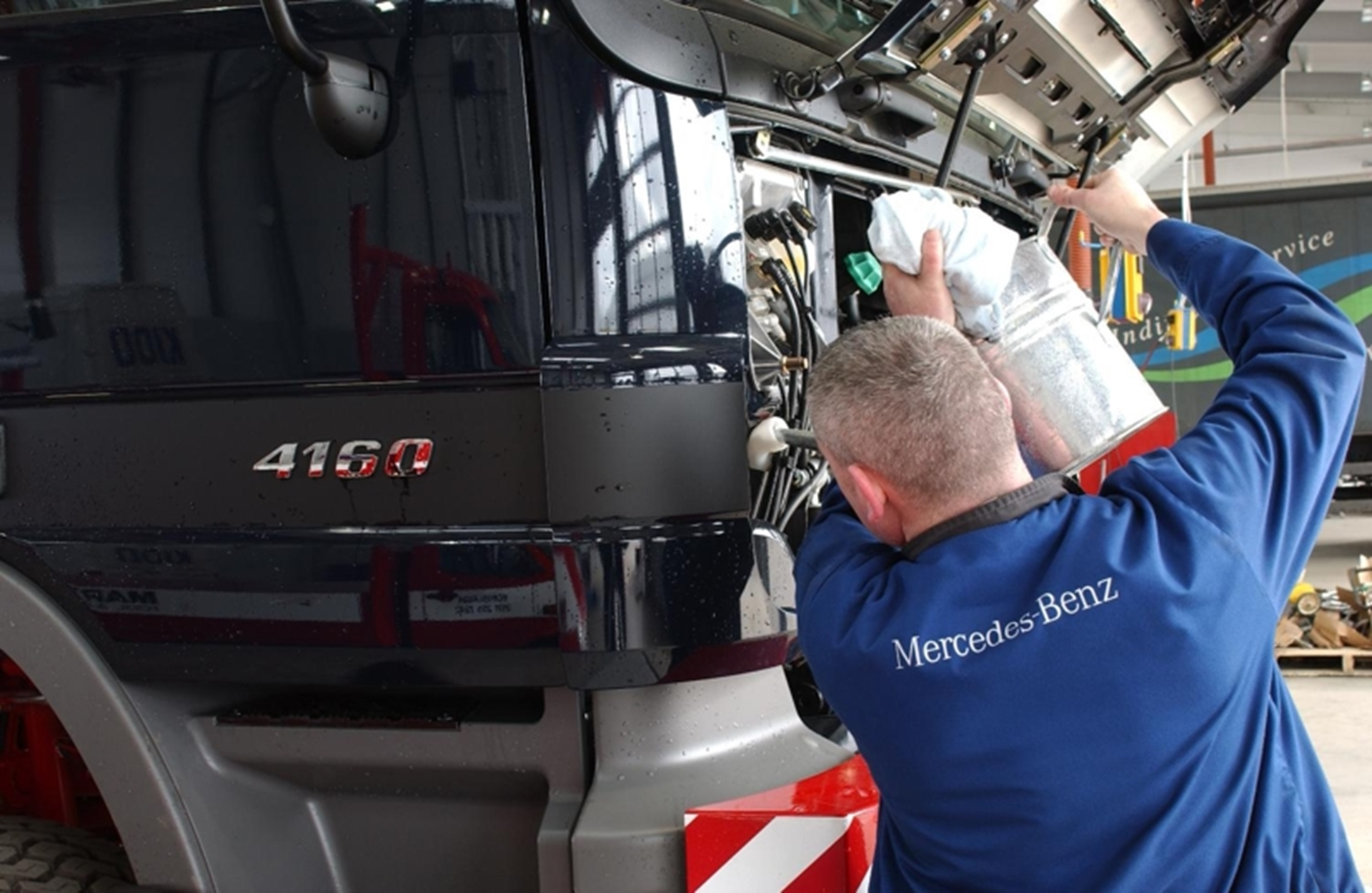 Low cost for more package as mercedes benz re launches for Mercedes benz service contract