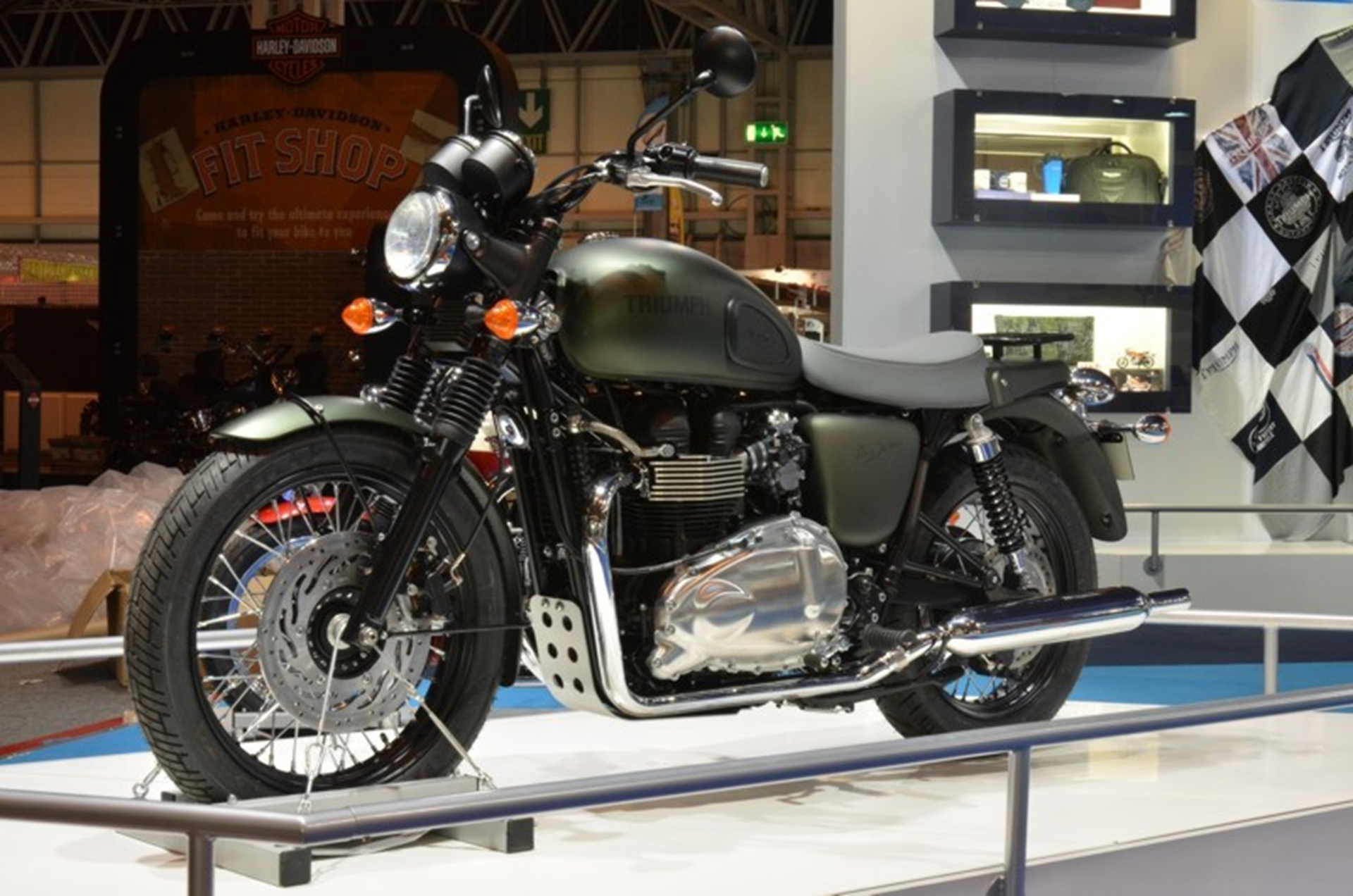 Triumph And Js Voted Motorcycle Live Favourites As 2012 Dates Are