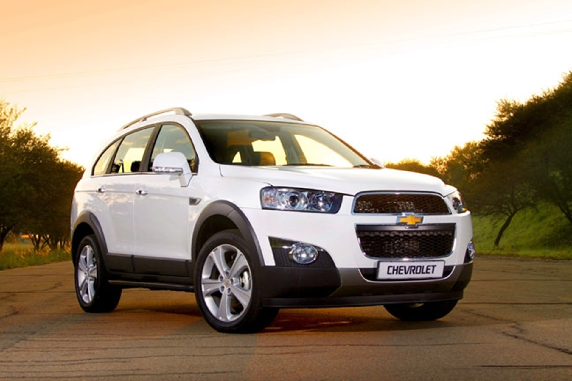 http://3d-car-shows.com/wp-content/uploads/2012/02/chevrolet-captiva-2012.jpg