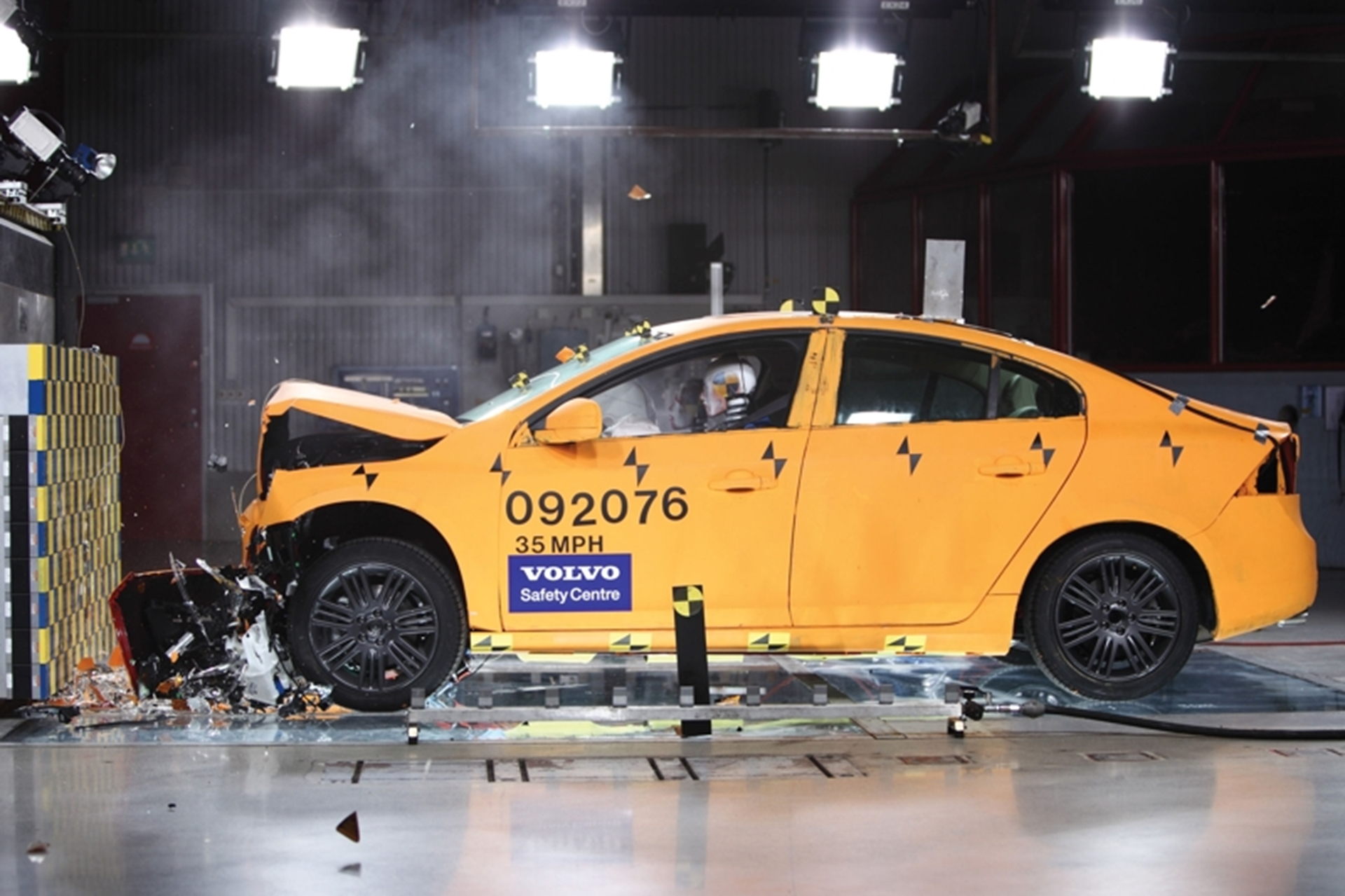 Volvo s60 and v60 get five star safety ratings in europe for Star motor cars volvo