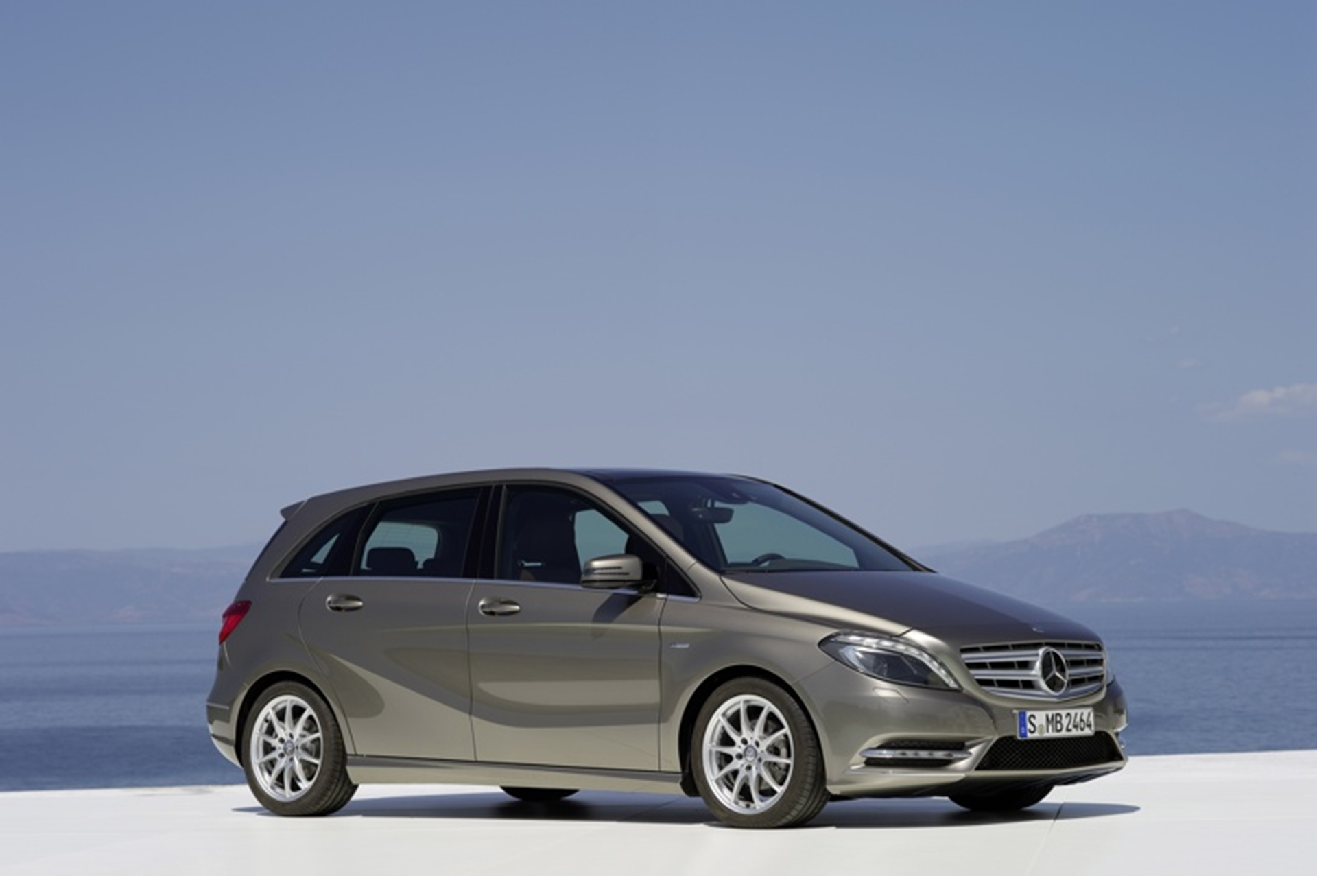 Mercedes benz south africa five stars for new b class for Mercedes benz class b