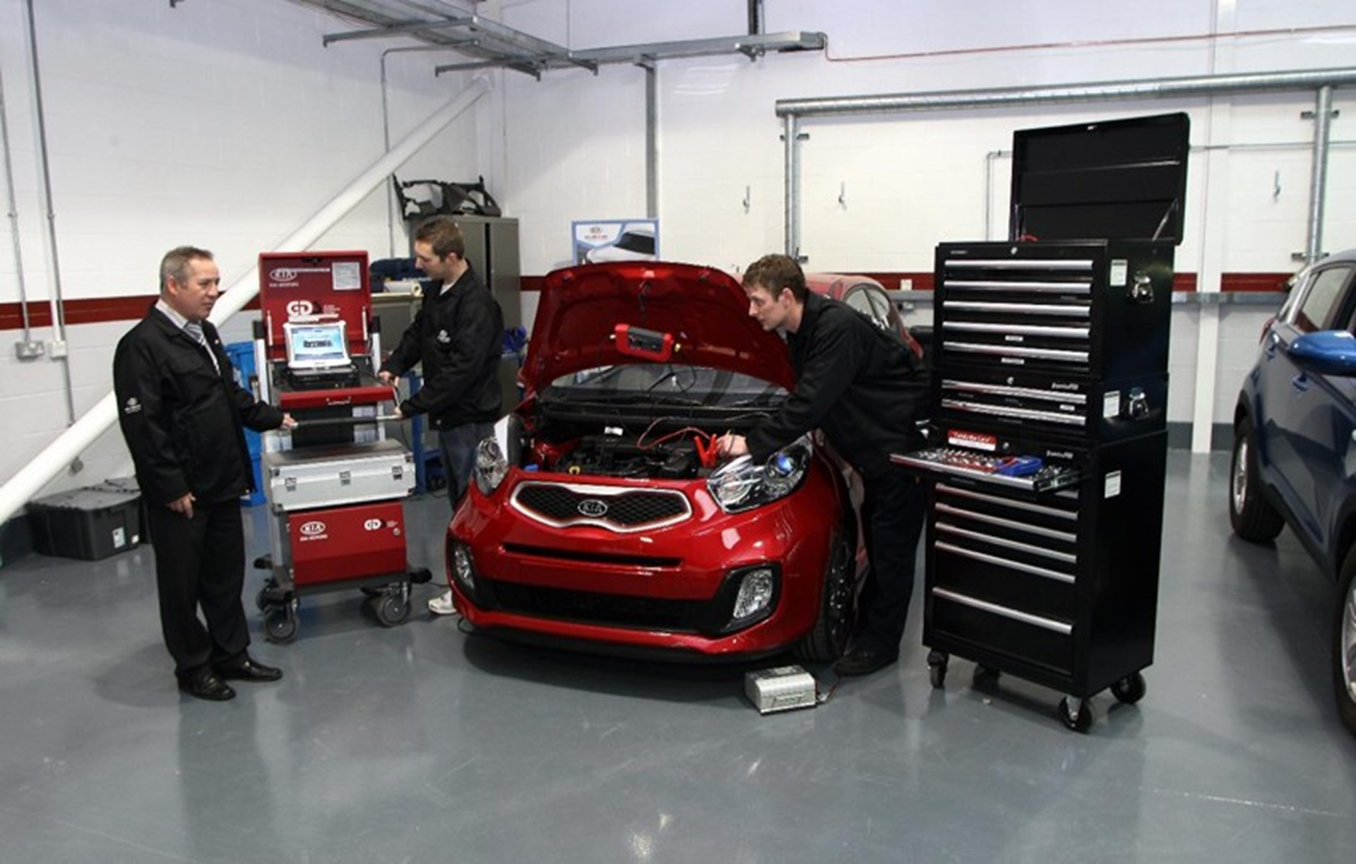 Kia academy training centre first for uk Kia motor dealers