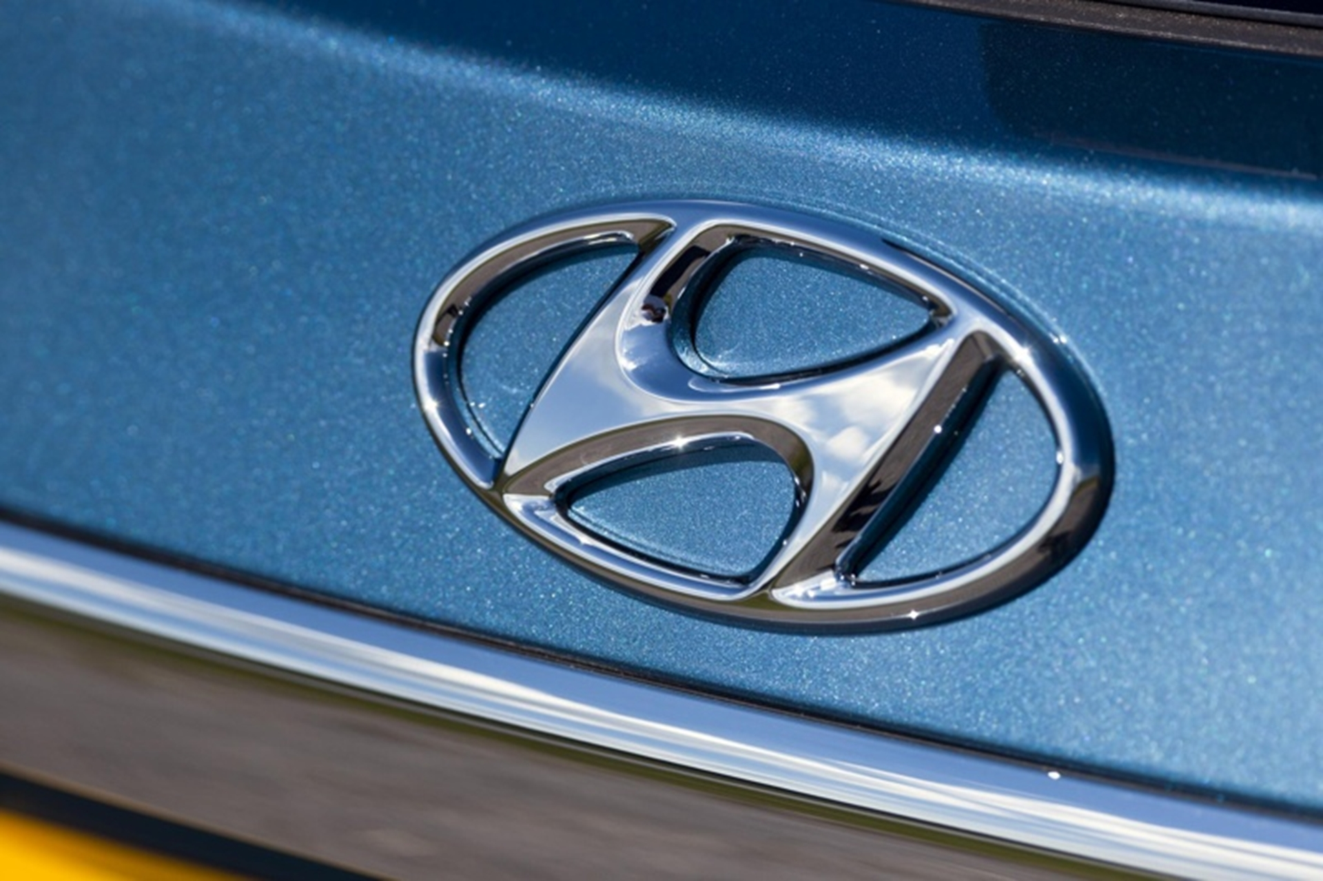 Hyundai i40 badge