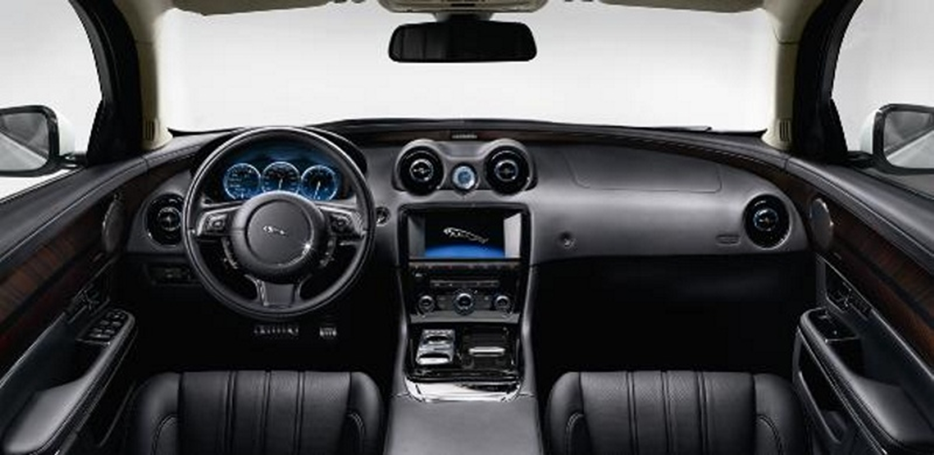 Jaguar XJ Ultimate shows Meridian Audio