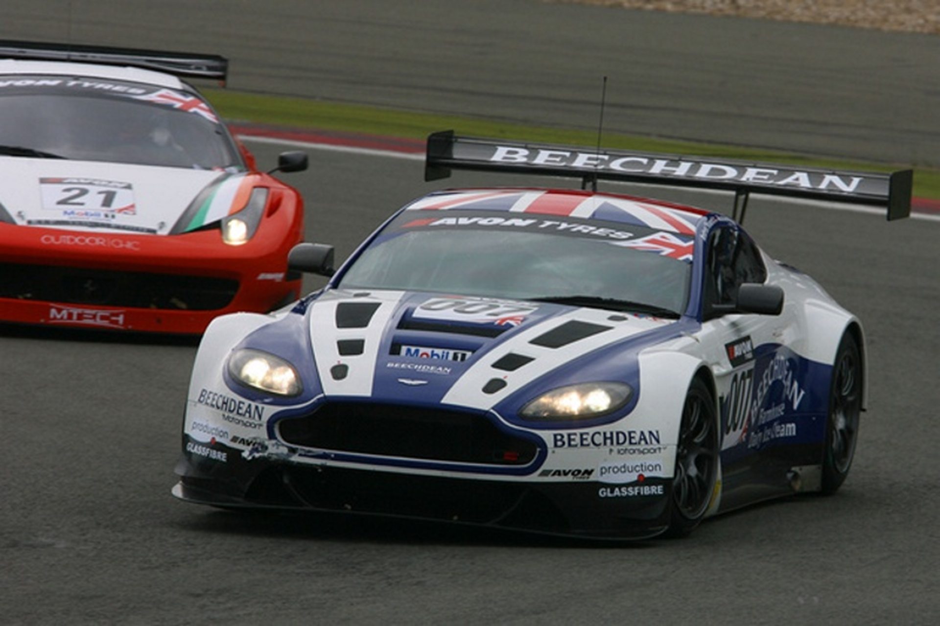 Beechdean Motorsport Secures First Race Win For Aston Martin V12 Vantage Gt3