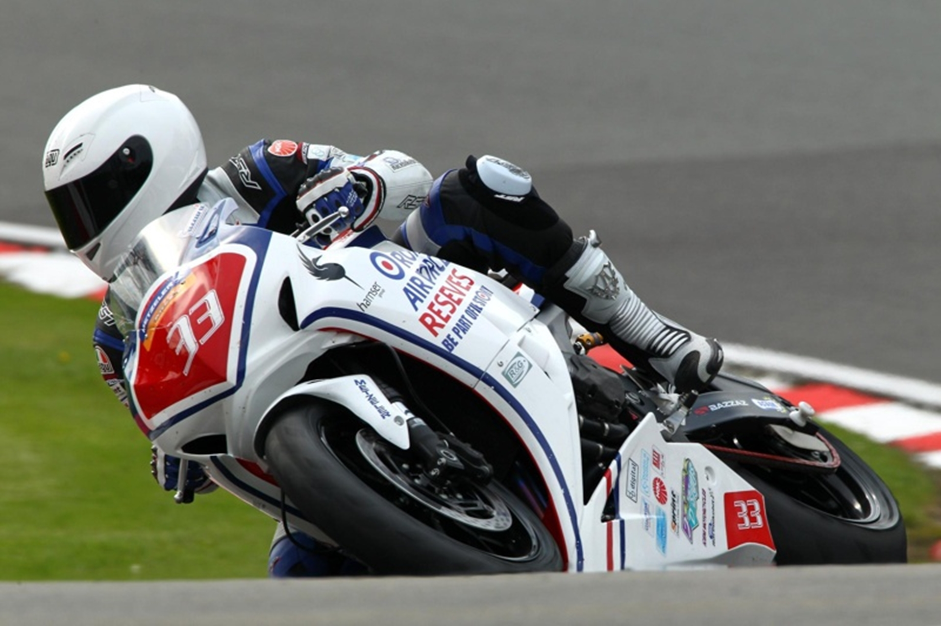 Honda UK Supports RAF Reserves Racing