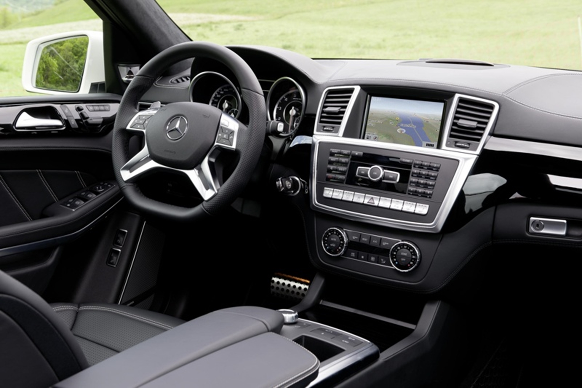 Mercedes-Benz GL 63 AMG Interior