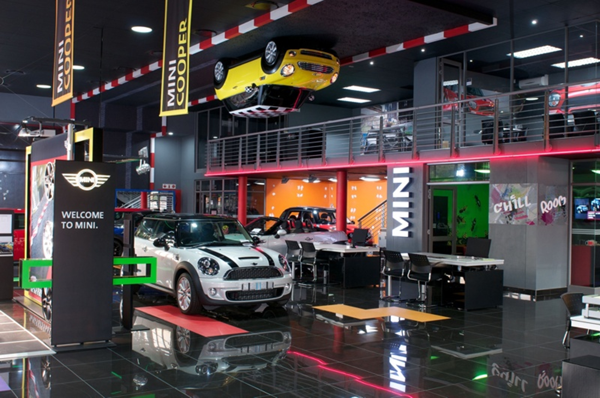 mini johannesburg south africa opens first stand alone dealership. Black Bedroom Furniture Sets. Home Design Ideas
