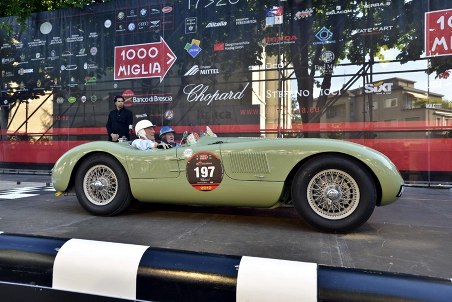 Moss and Dewis recreate Jaguar history