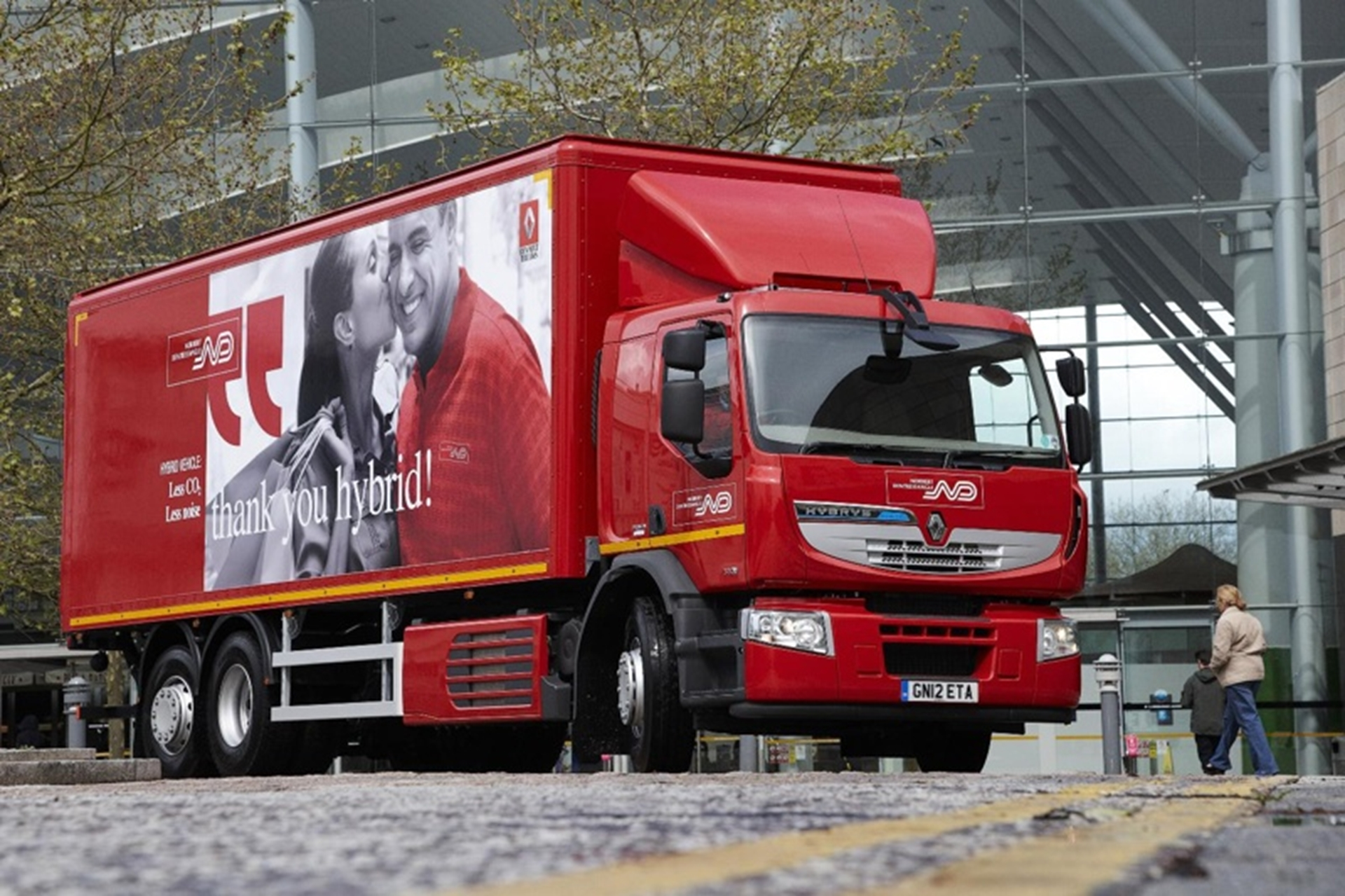 renault trucks first 26 tonne hybrid enters uk service 3d car shows. Black Bedroom Furniture Sets. Home Design Ideas
