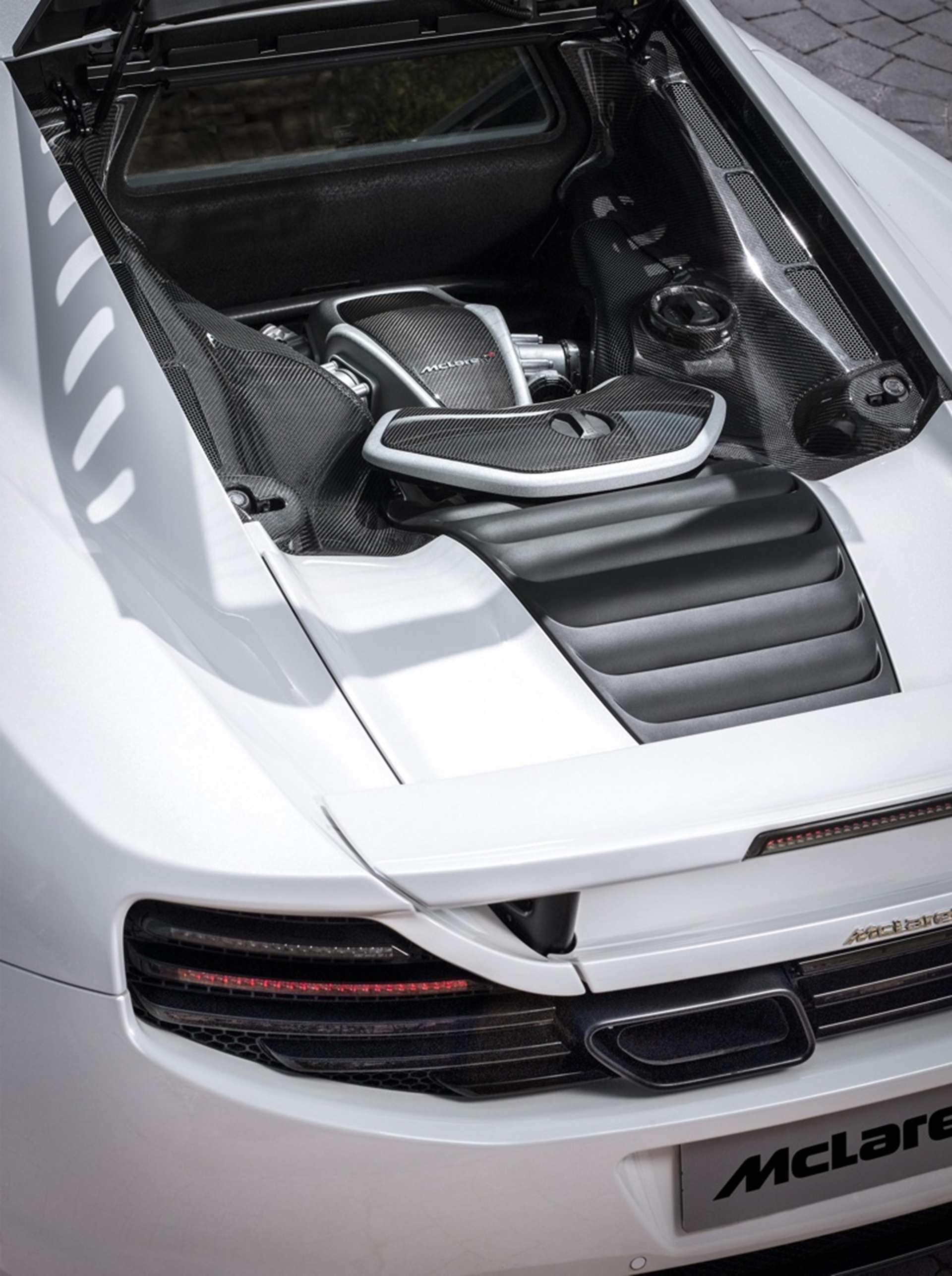 McLaren MP4-12C engine