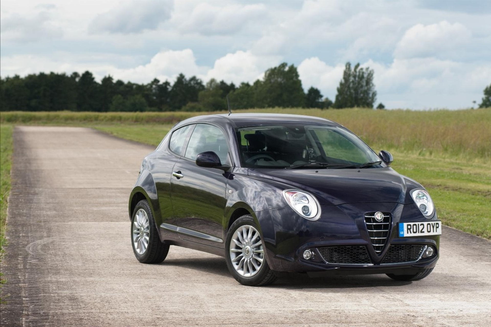 alfa mito now available with multi award winning twinair engine technology. Black Bedroom Furniture Sets. Home Design Ideas