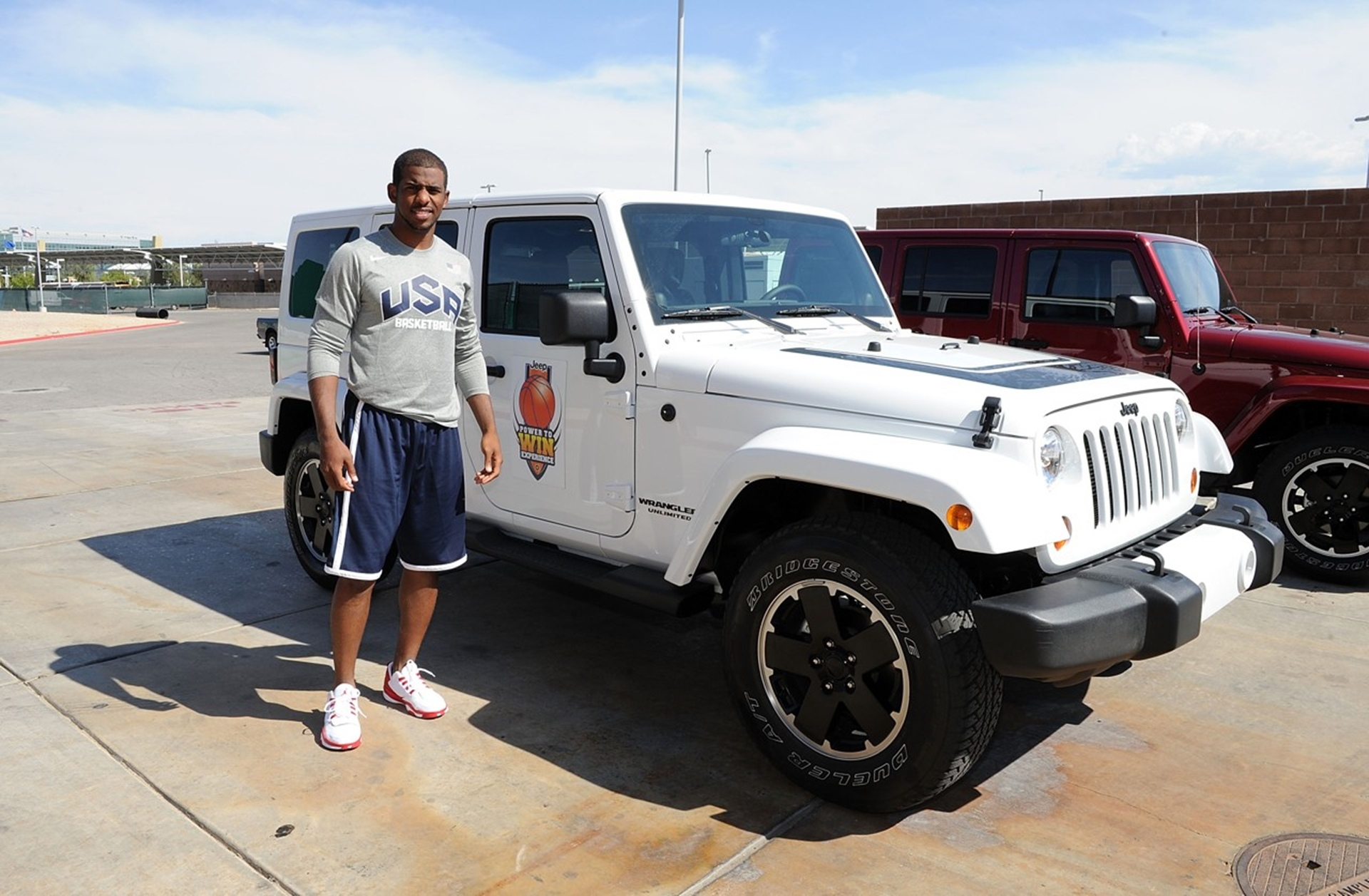 foto do carro de Chris Paul, Jeep Wrangler
